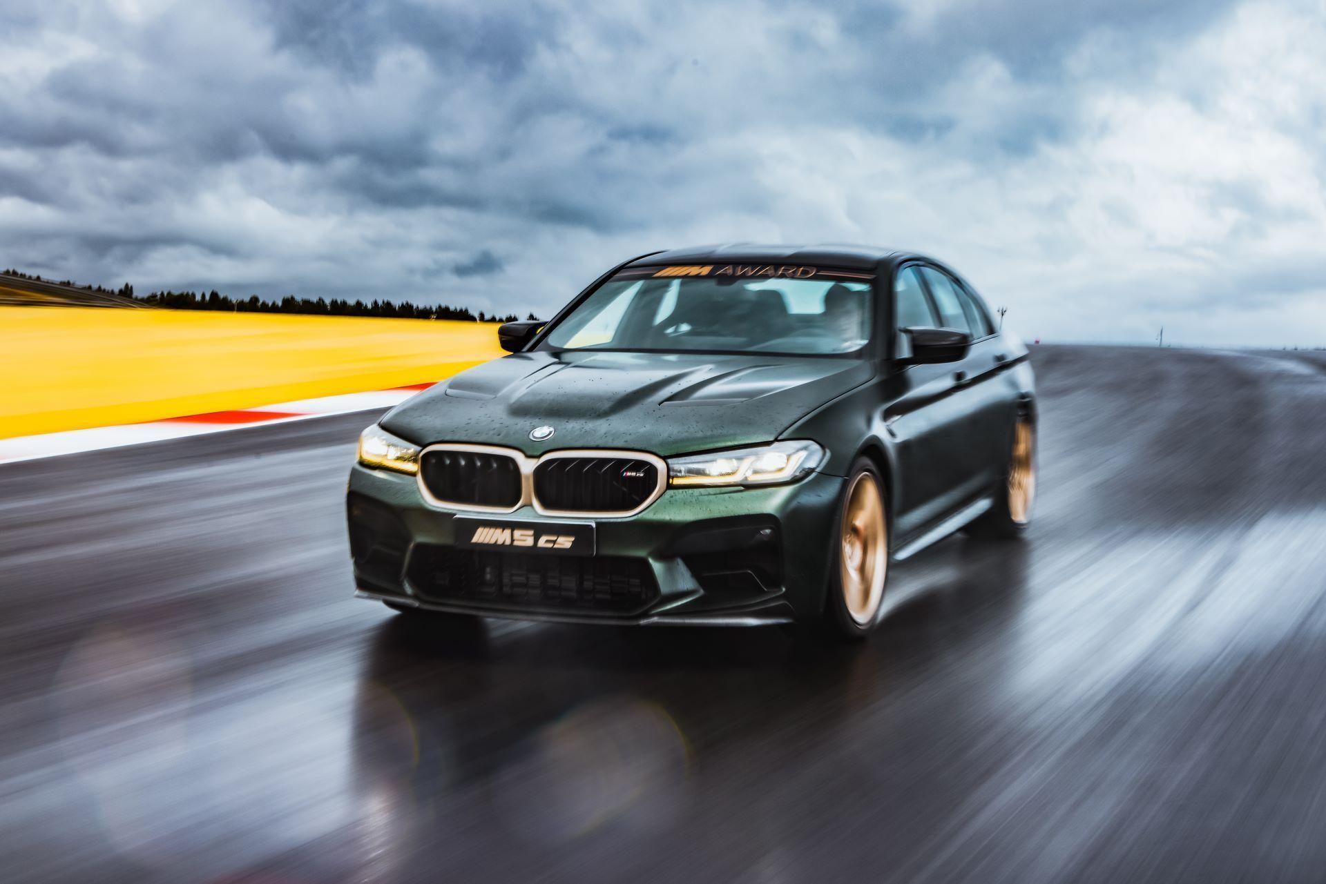 BMW-M5-CS-Moto-GP-1