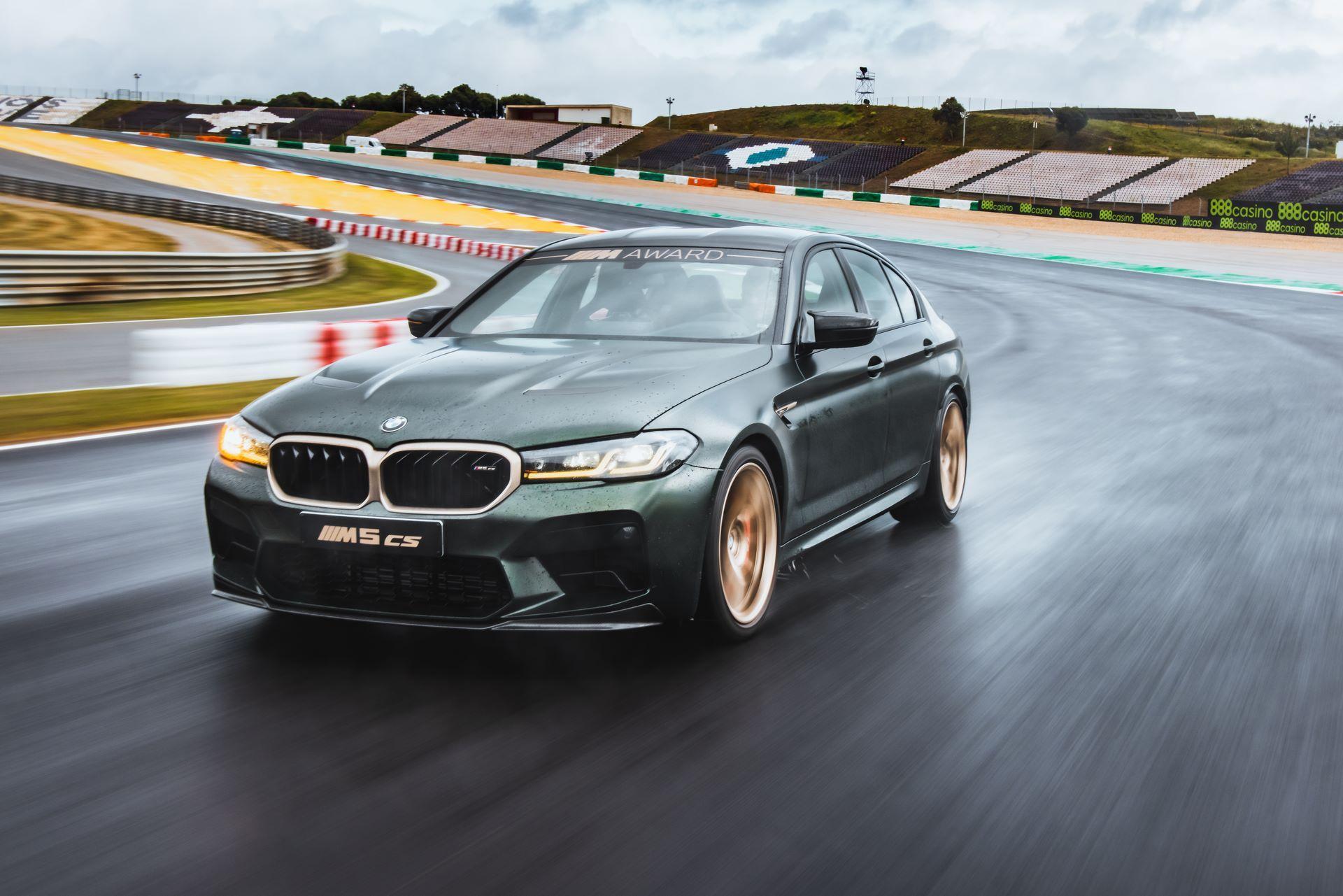 BMW-M5-CS-Moto-GP-11