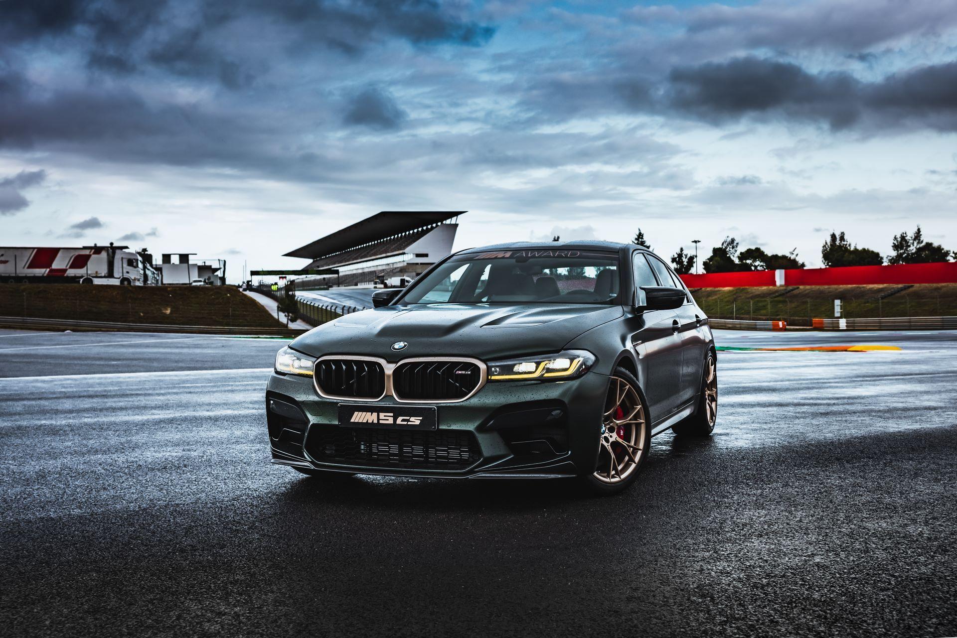 BMW-M5-CS-Moto-GP-14