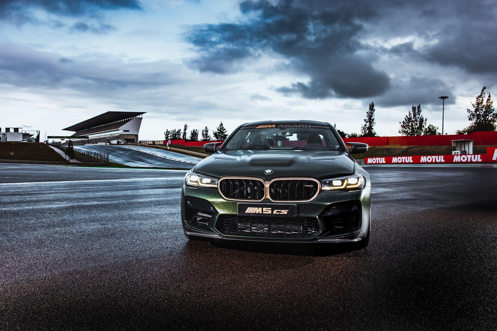 BMW-M5-CS-Moto-GP-15