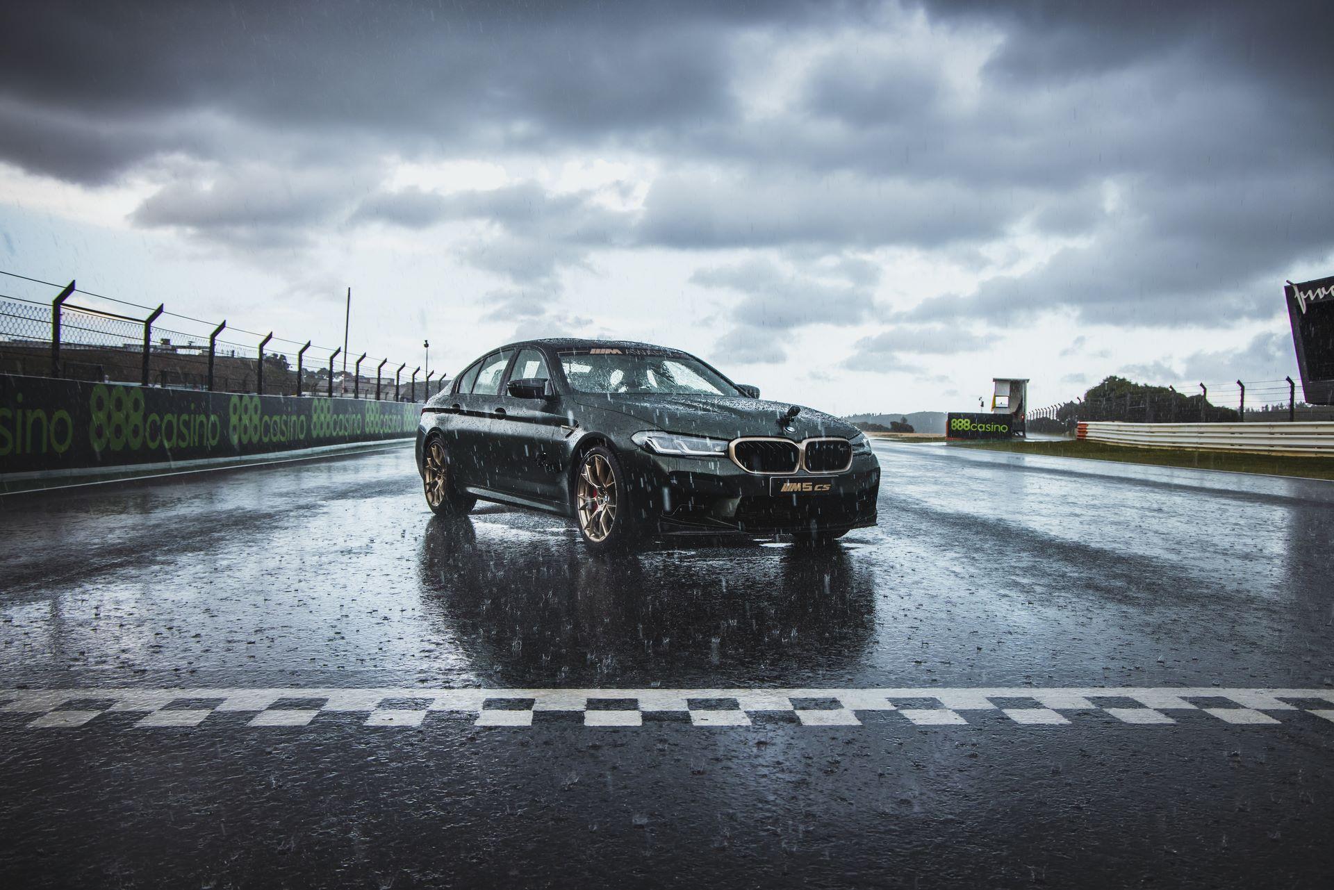 BMW-M5-CS-Moto-GP-2