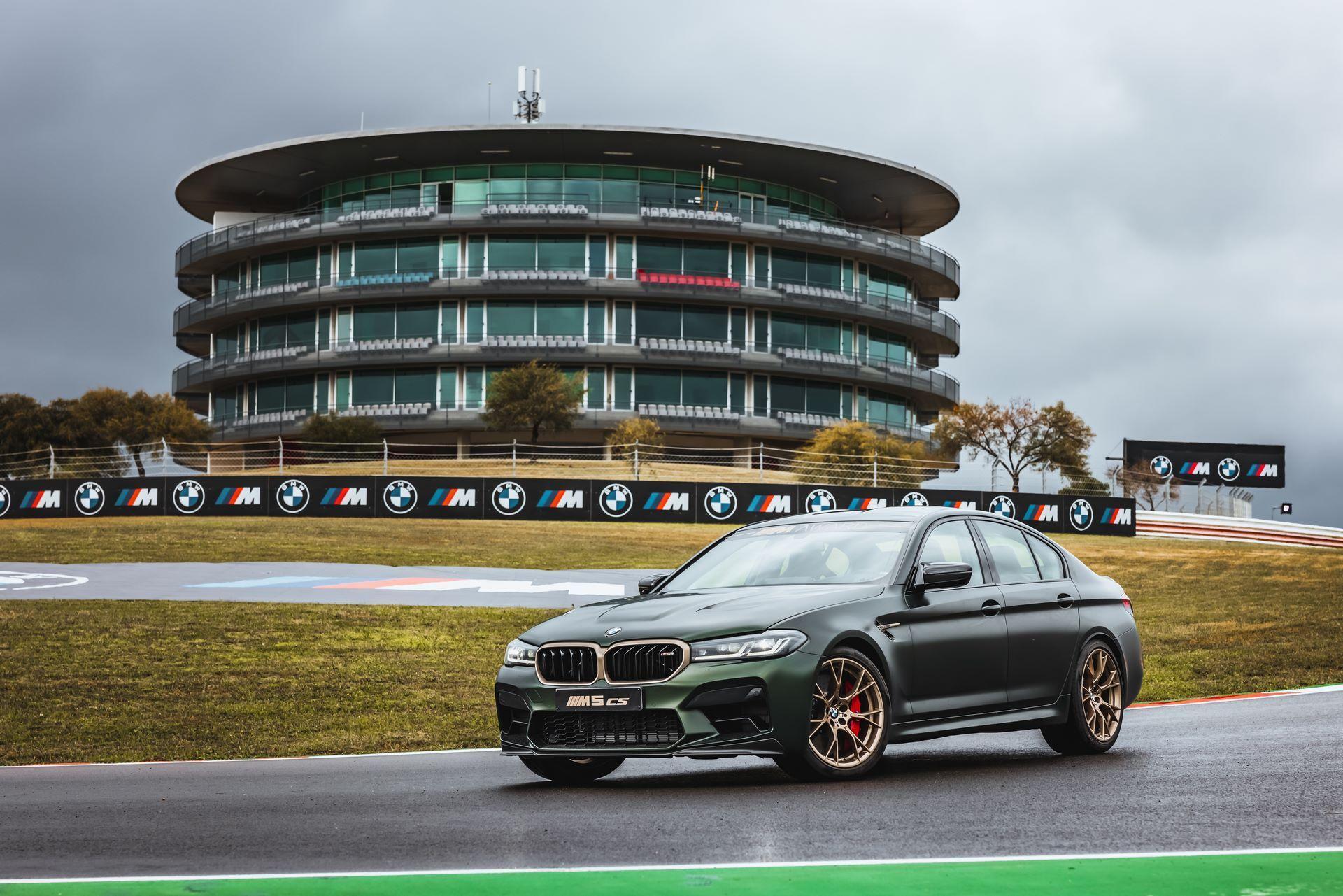 BMW-M5-CS-Moto-GP-20