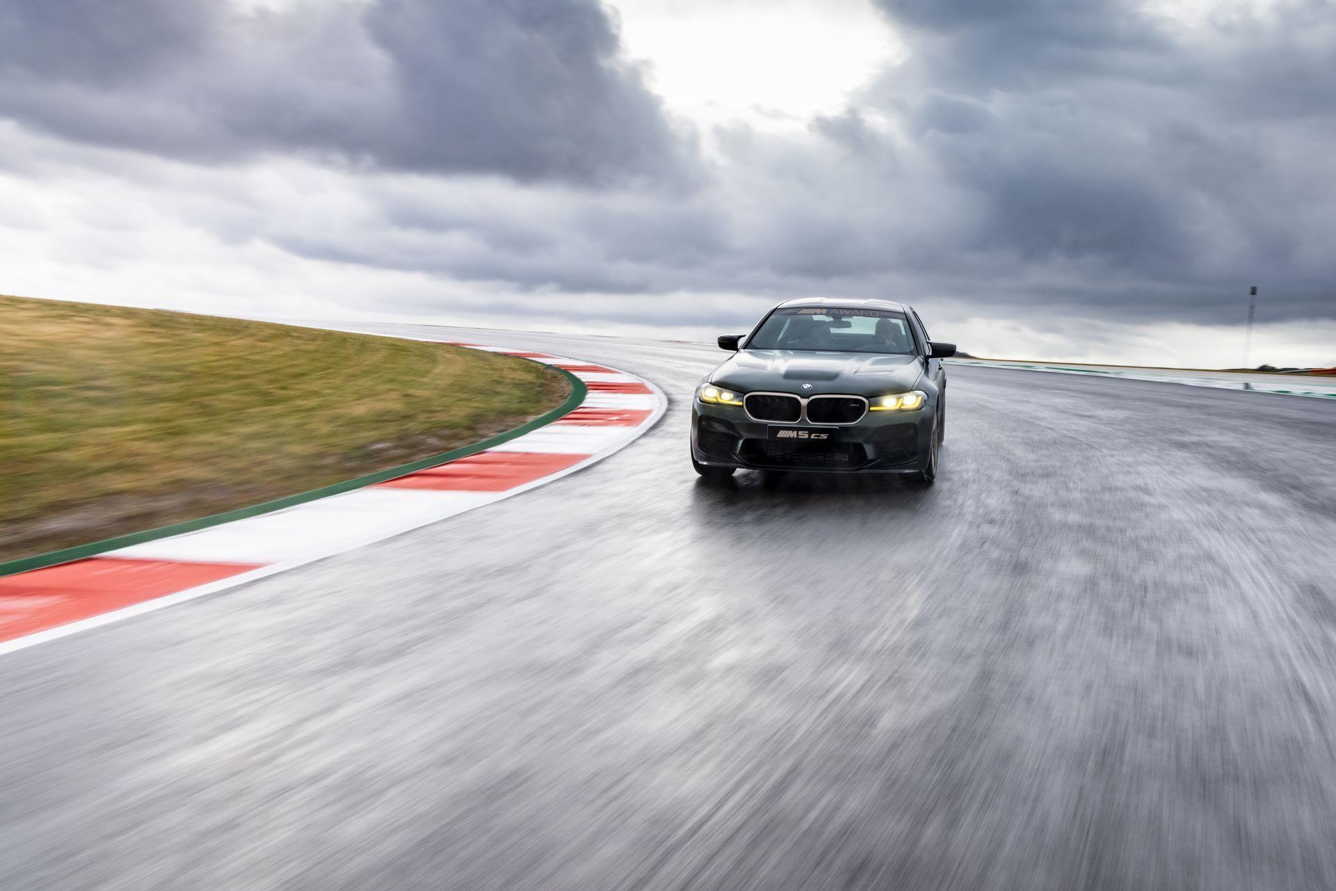 BMW-M5-CS-Moto-GP-3