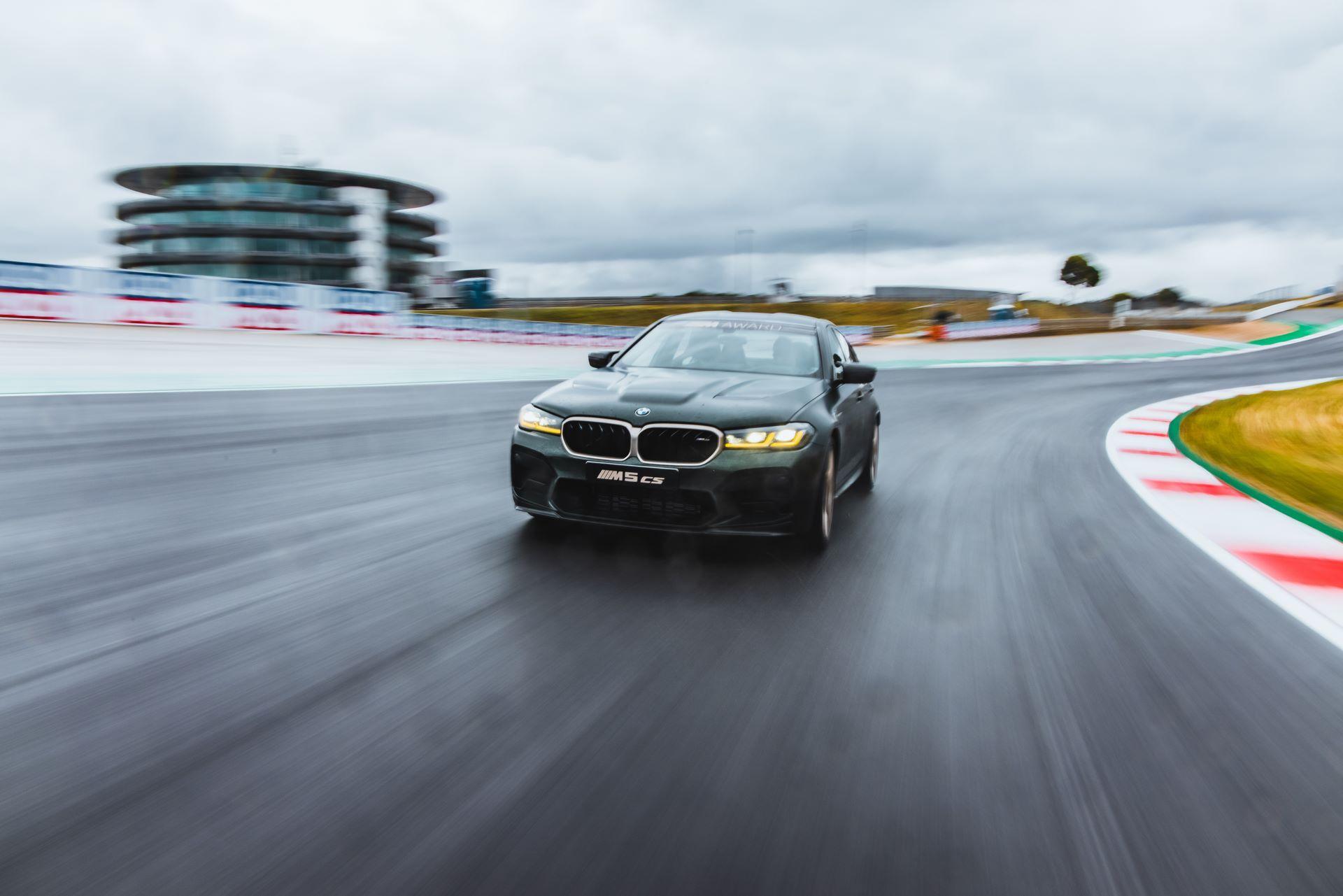 BMW-M5-CS-Moto-GP-8