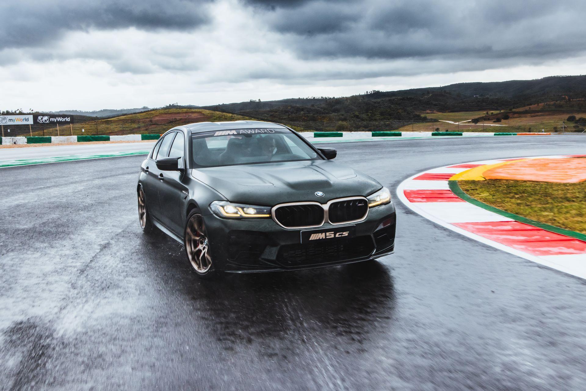 BMW-M5-CS-Moto-GP-9