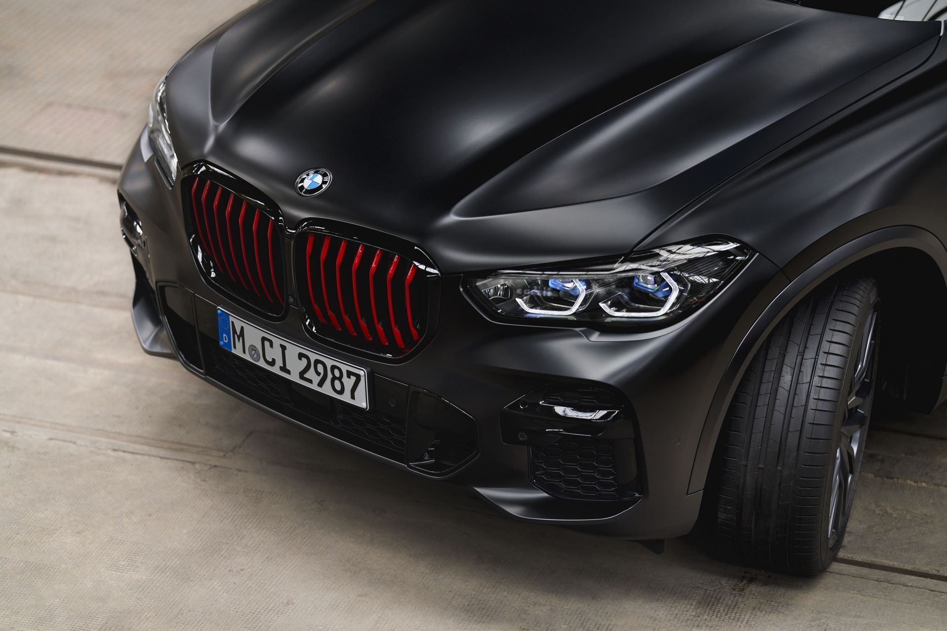 BMW-X5-Χ6-Black-Vermilion-X7-Limited-Edition-13