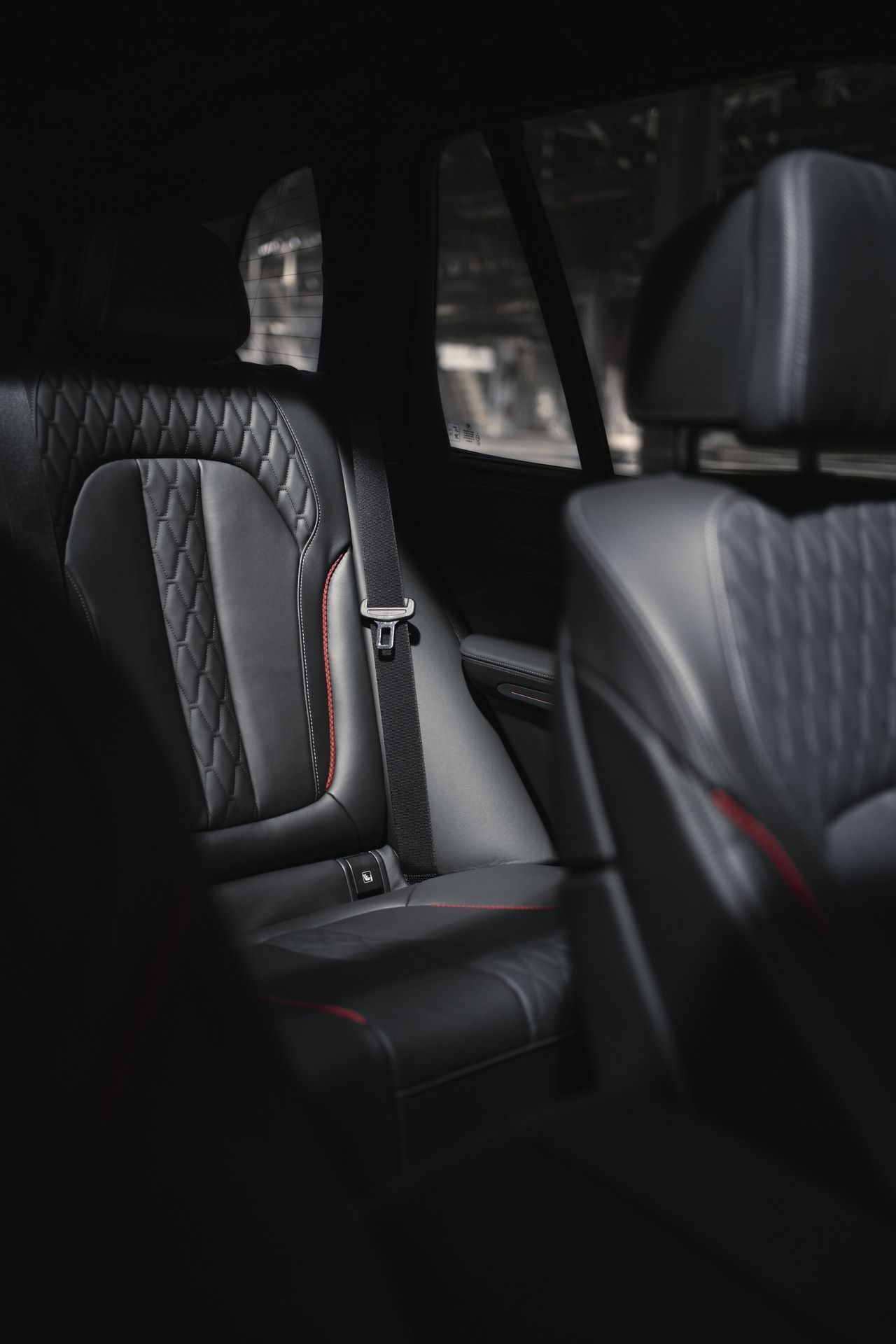 BMW-X5-Χ6-Black-Vermilion-X7-Limited-Edition-23