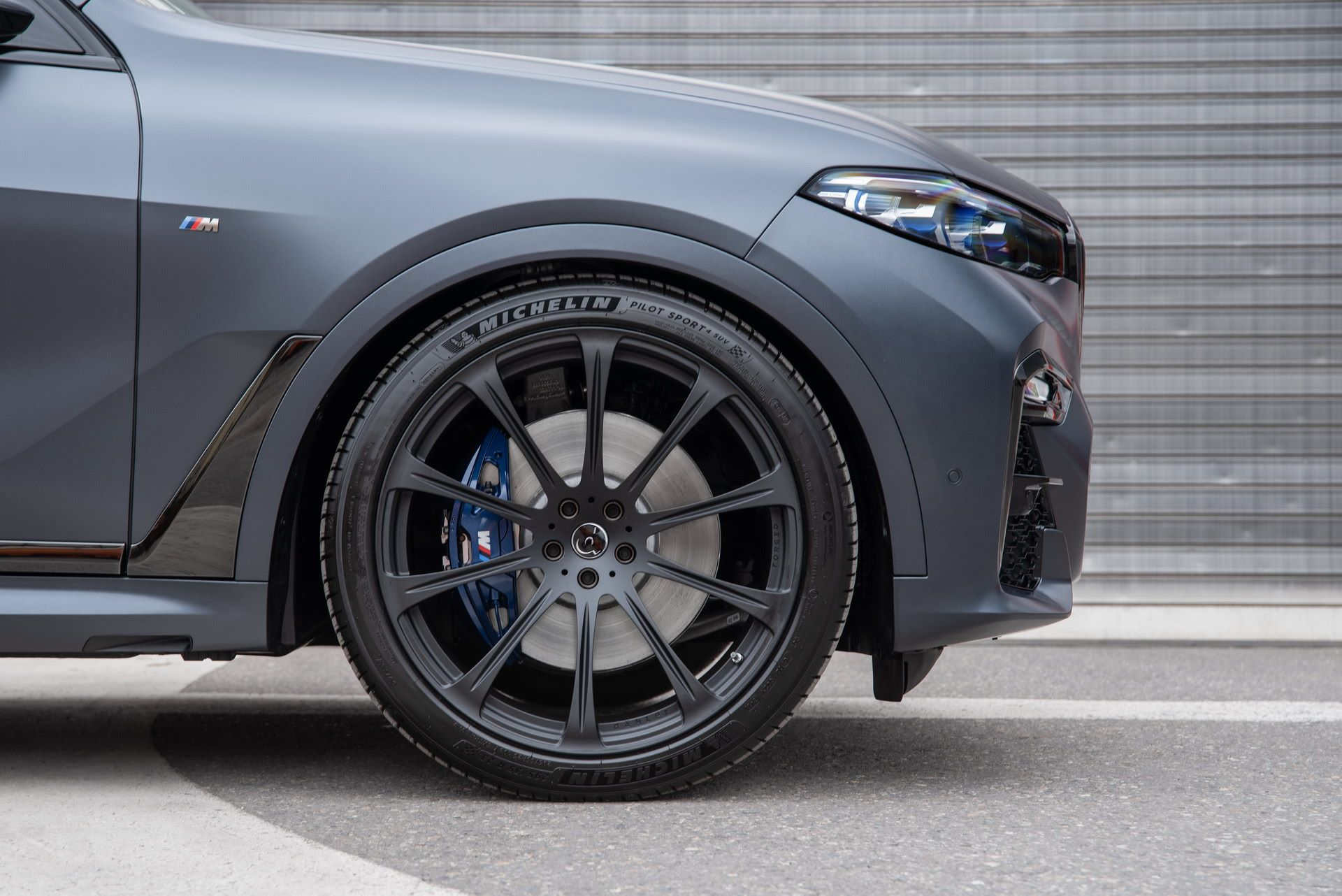 BMW-X7-by-Dahler-12