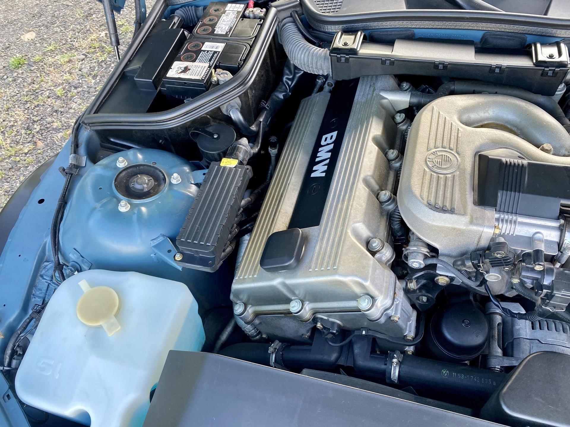 1996_BMW_Z3_James_Bond_Edition_sale-0005
