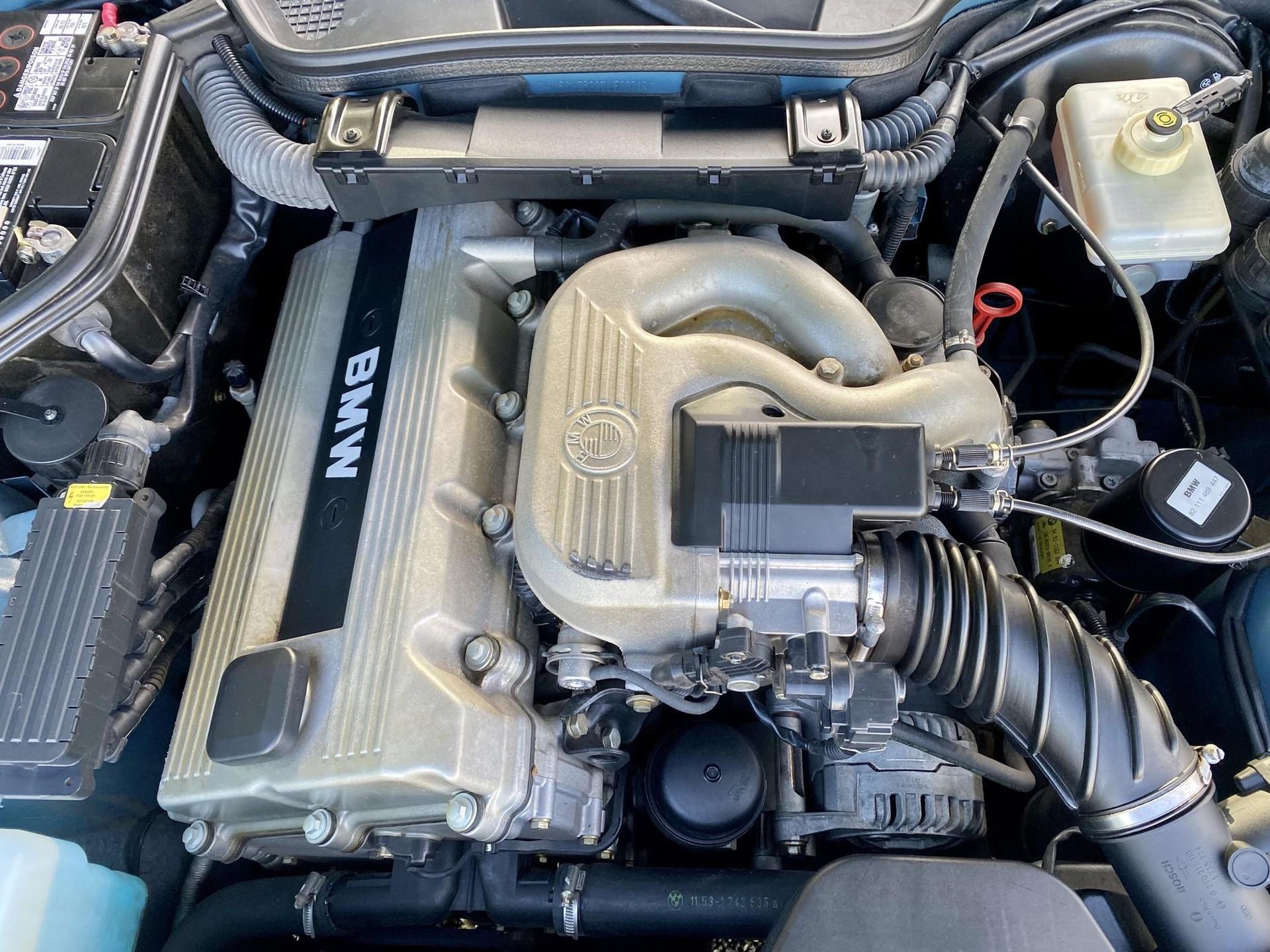 1996_BMW_Z3_James_Bond_Edition_sale-0014