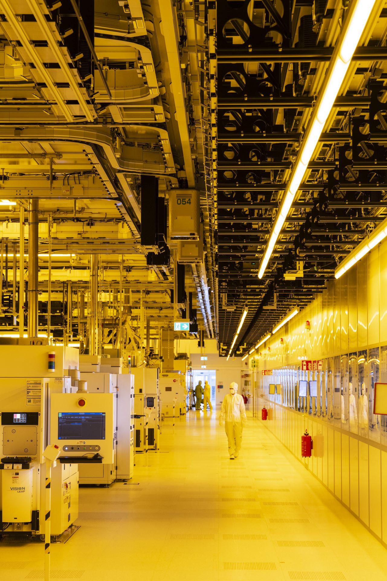 Bosch-chip-factory-Dresden-14