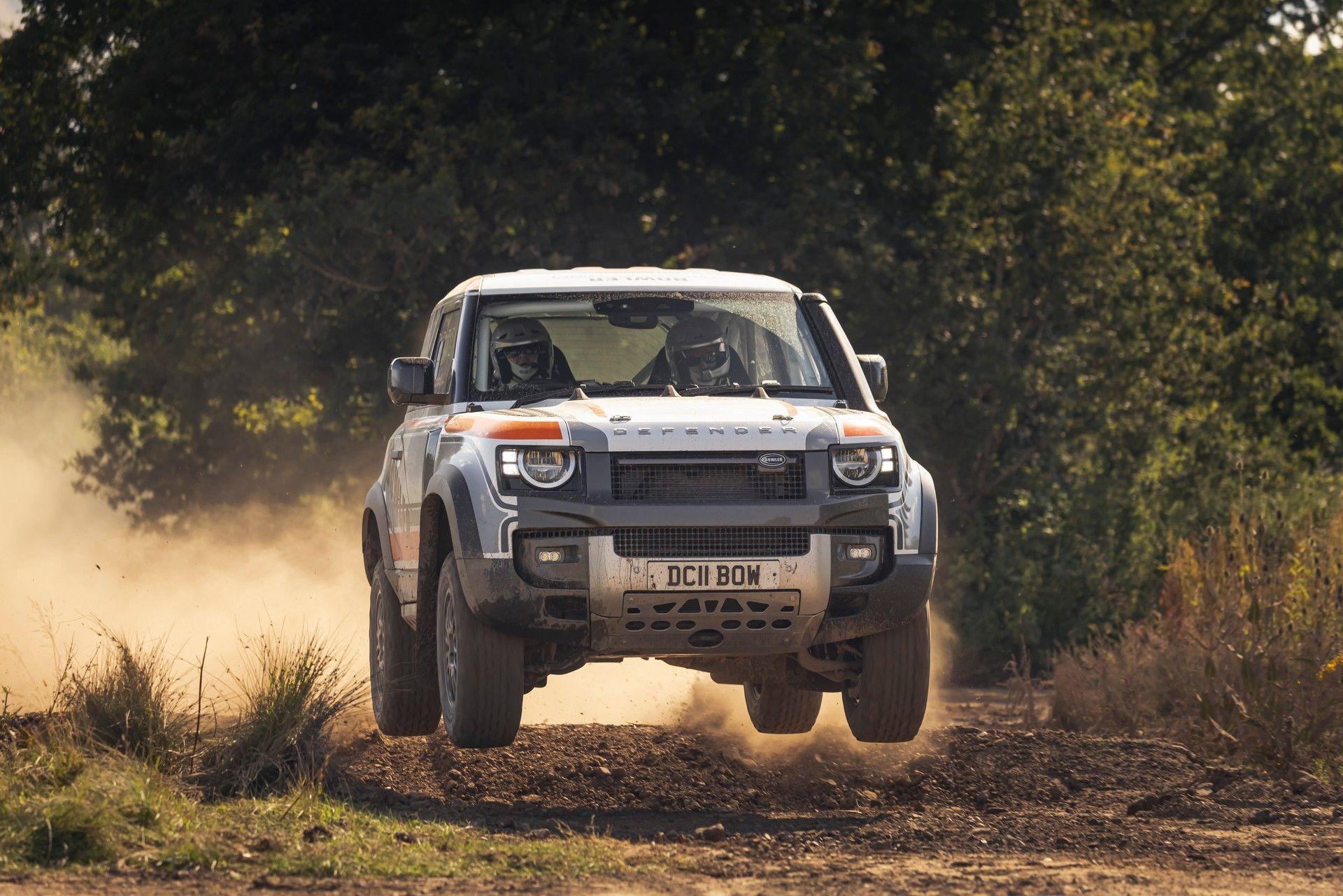 Bowler-Land-Rover-Defender-Challenge-Rally-Car-14