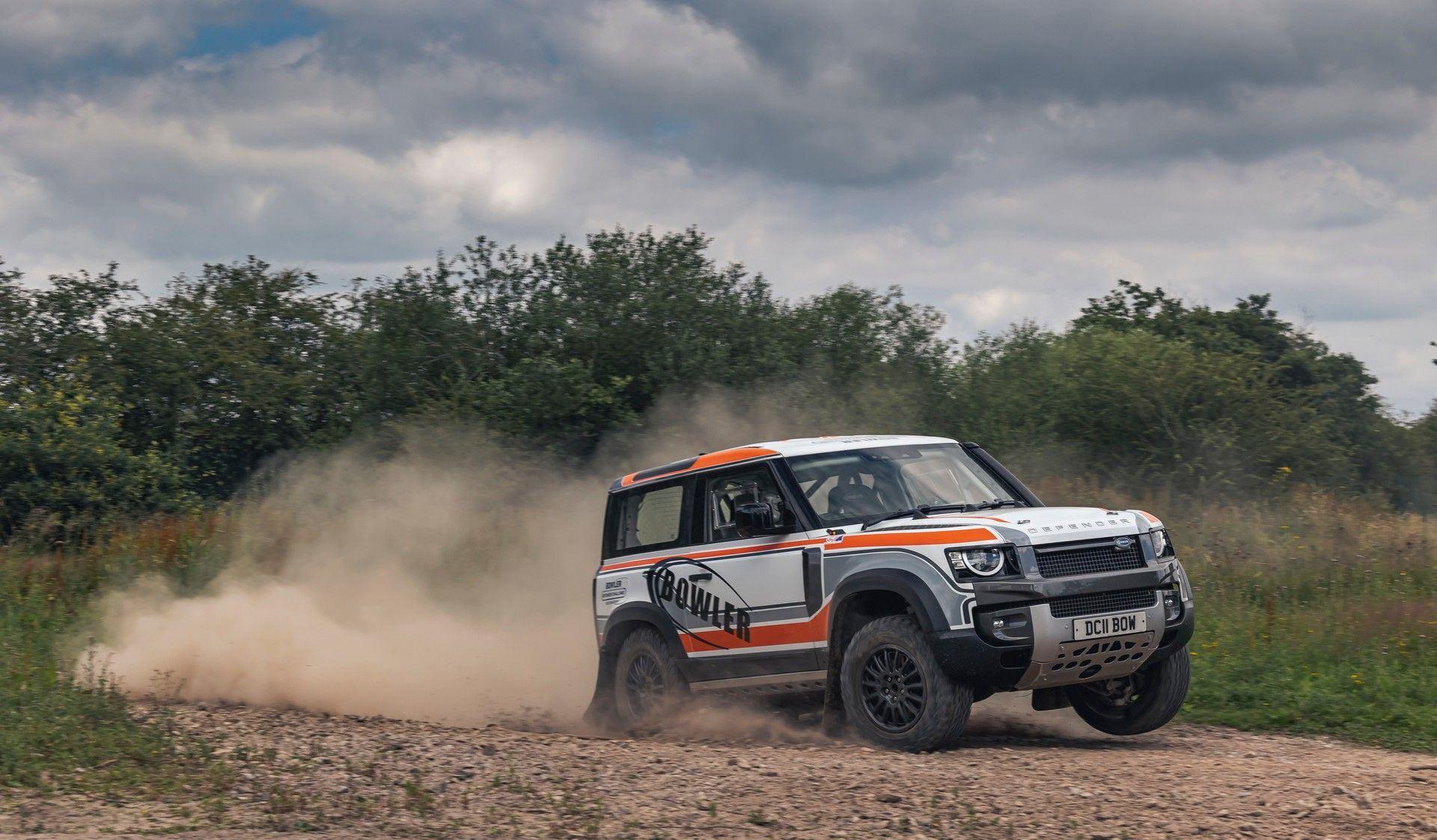 Bowler-Land-Rover-Defender-Challenge-Rally-Car-16