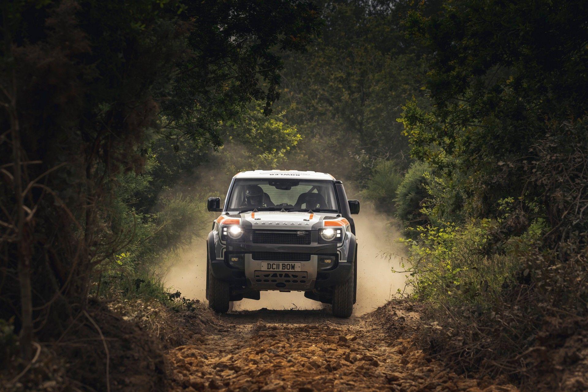 Bowler-Land-Rover-Defender-Challenge-Rally-Car-18