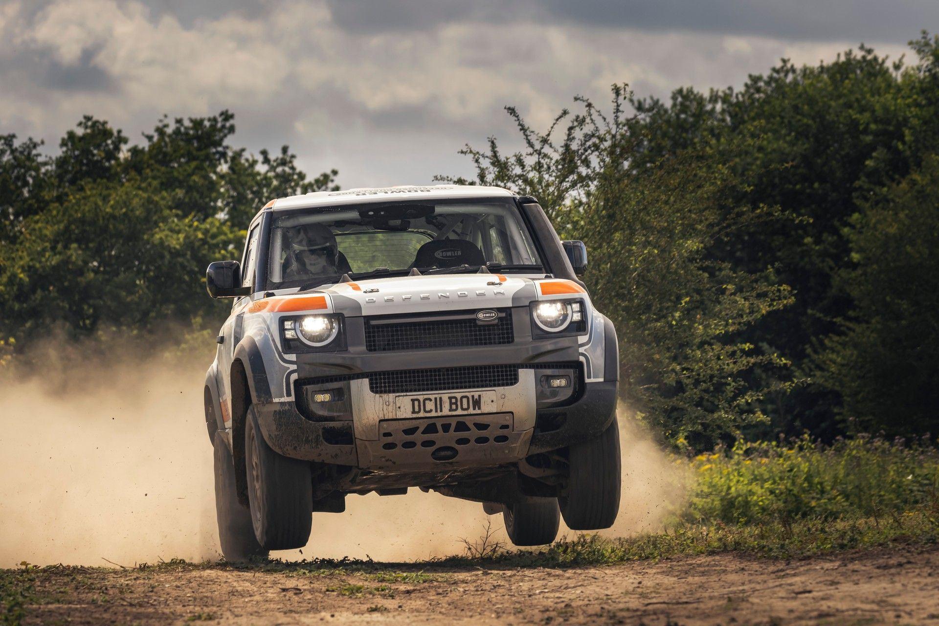 Bowler-Land-Rover-Defender-Challenge-Rally-Car-19