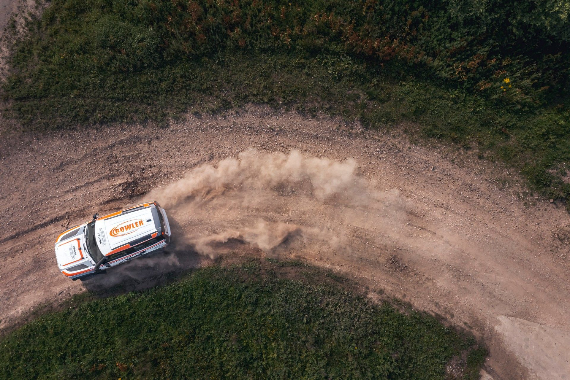 Bowler-Land-Rover-Defender-Challenge-Rally-Car-20