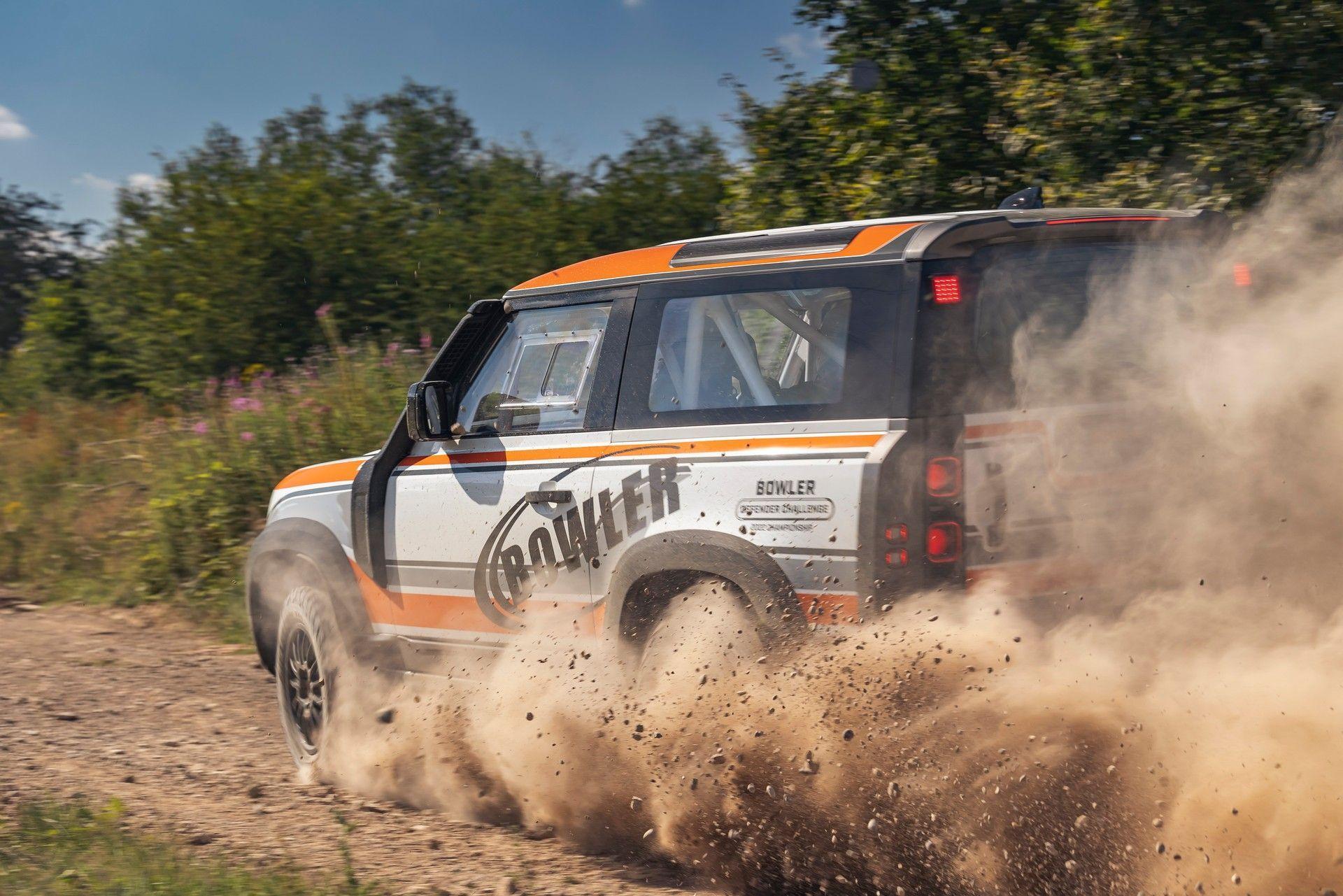 Bowler-Land-Rover-Defender-Challenge-Rally-Car-22