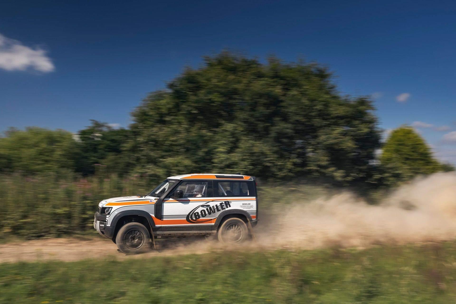 Bowler-Land-Rover-Defender-Challenge-Rally-Car-23