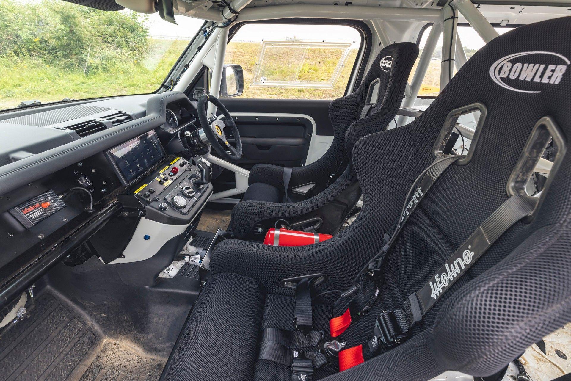 Bowler-Land-Rover-Defender-Challenge-Rally-Car-31