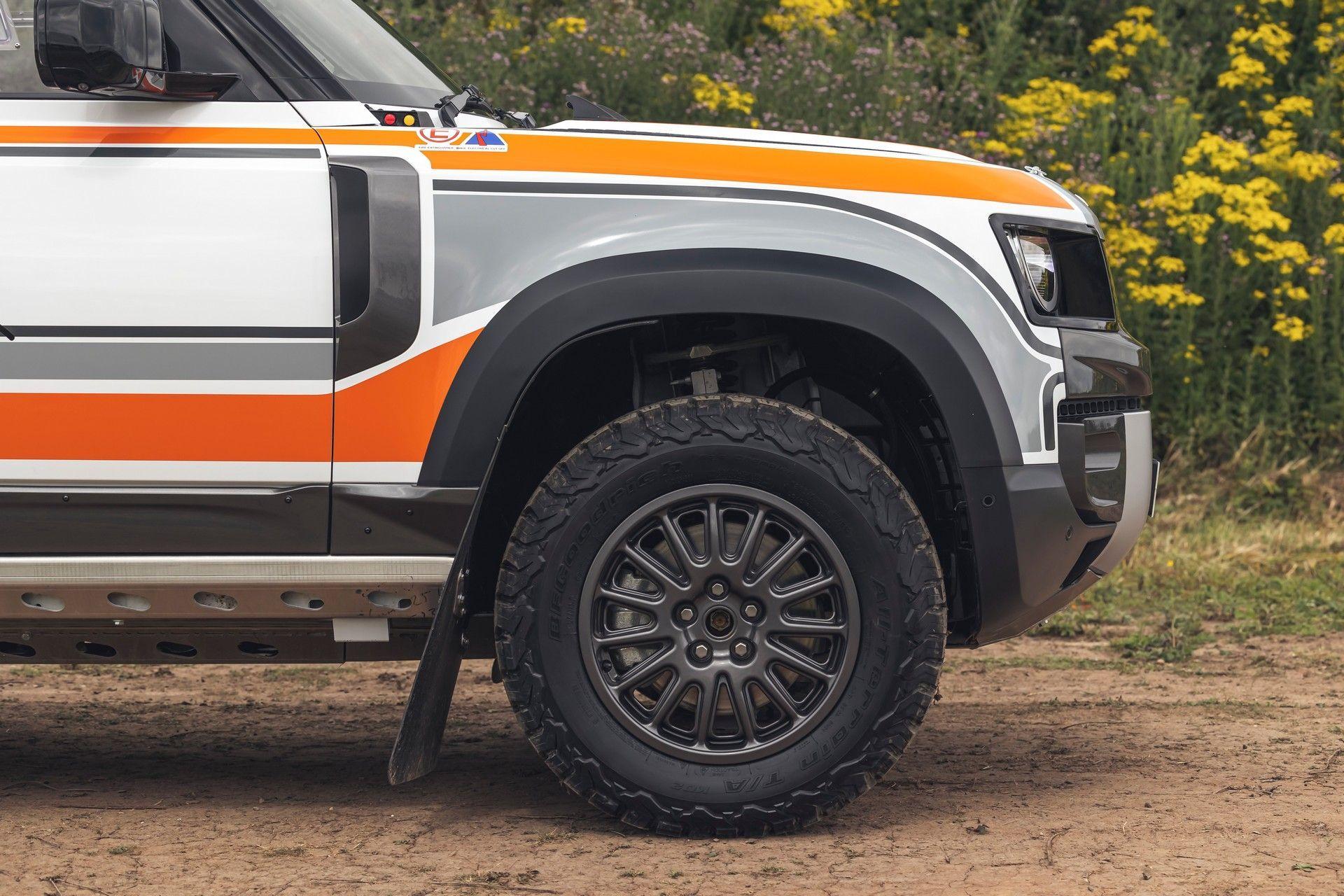 Bowler-Land-Rover-Defender-Challenge-Rally-Car-34