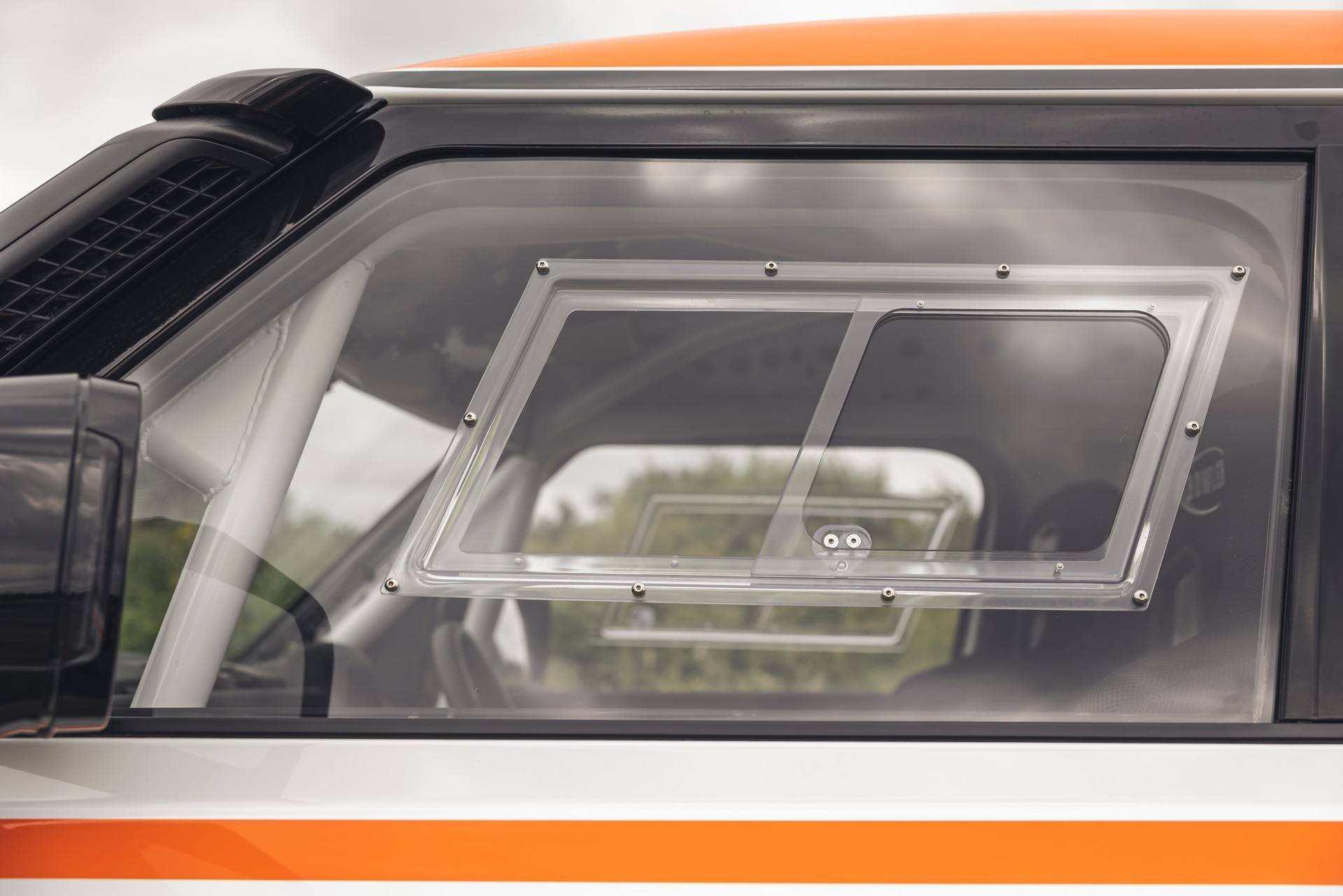 Bowler-Land-Rover-Defender-Challenge-Rally-Car-37