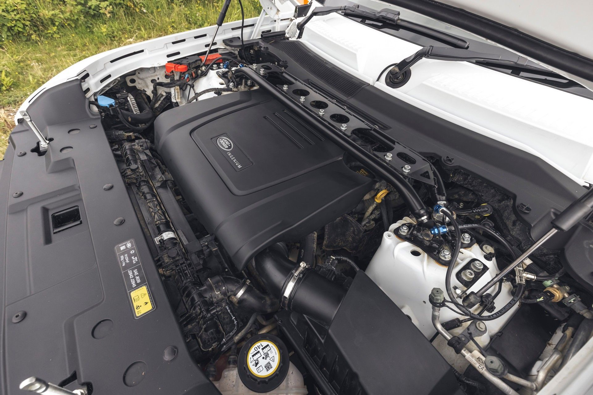 Bowler-Land-Rover-Defender-Challenge-Rally-Car-54