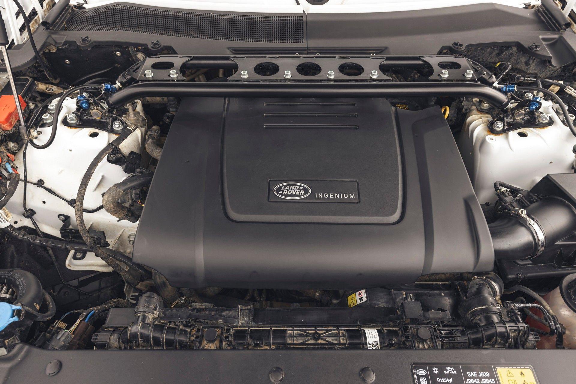 Bowler-Land-Rover-Defender-Challenge-Rally-Car-55