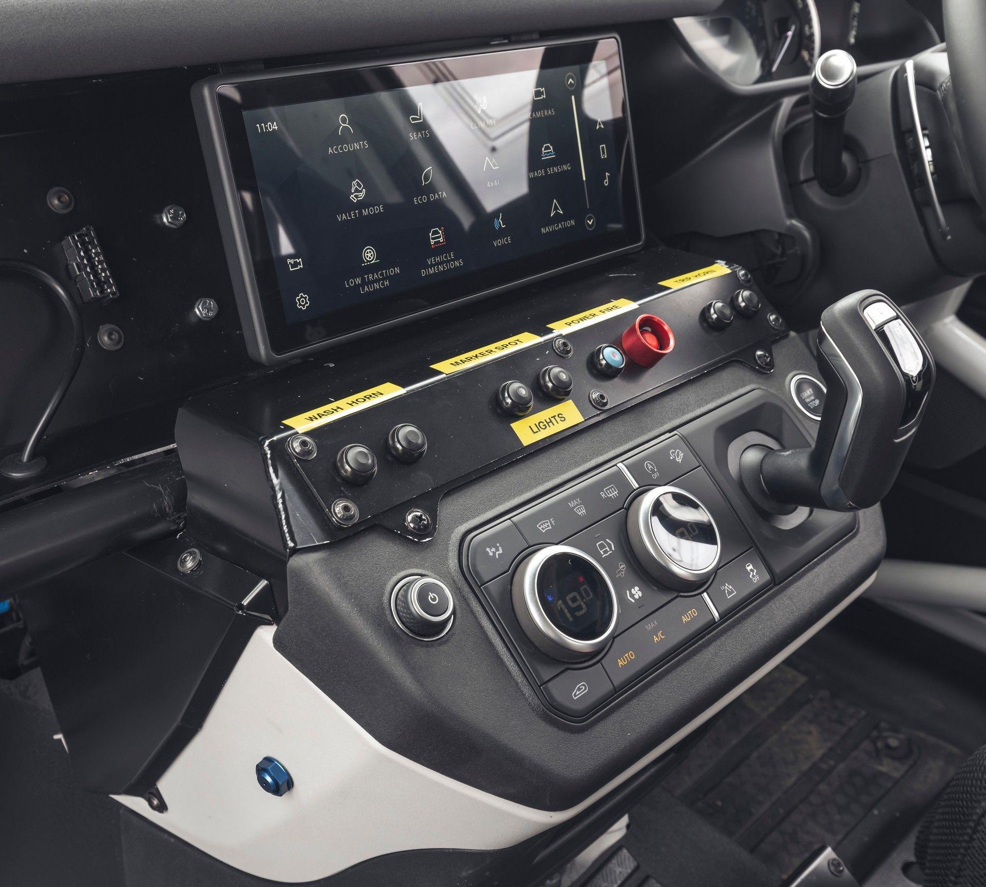 Bowler-Land-Rover-Defender-Challenge-Rally-Car-58
