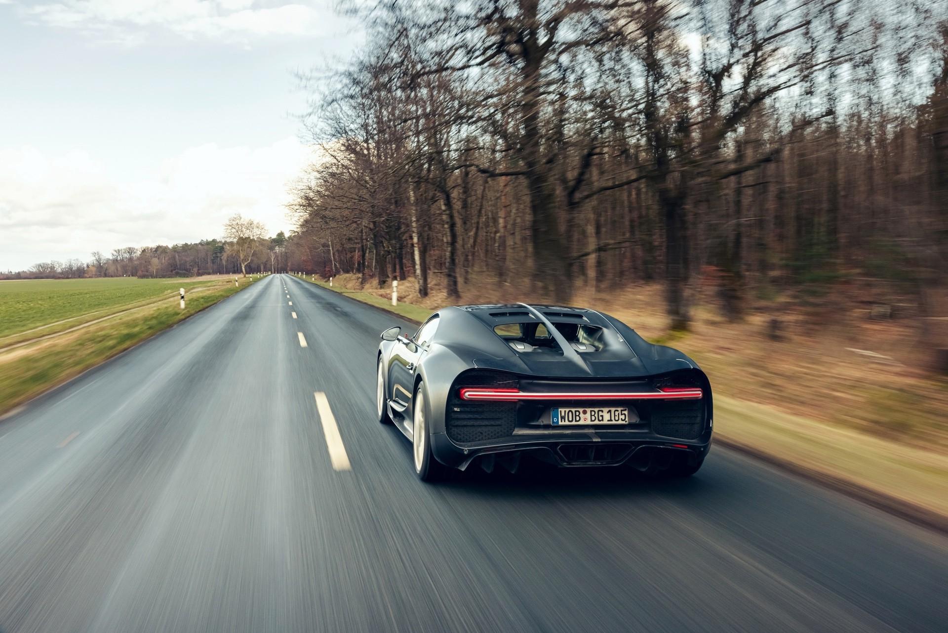 Bugatti_Chiron_Prototype_4-005-0001