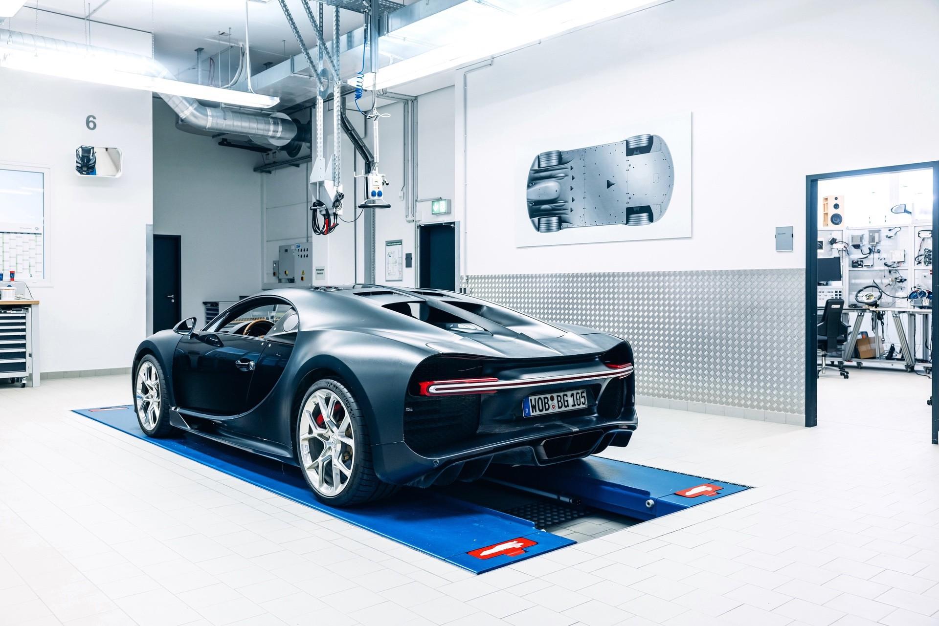 Bugatti_Chiron_Prototype_4-005-0005