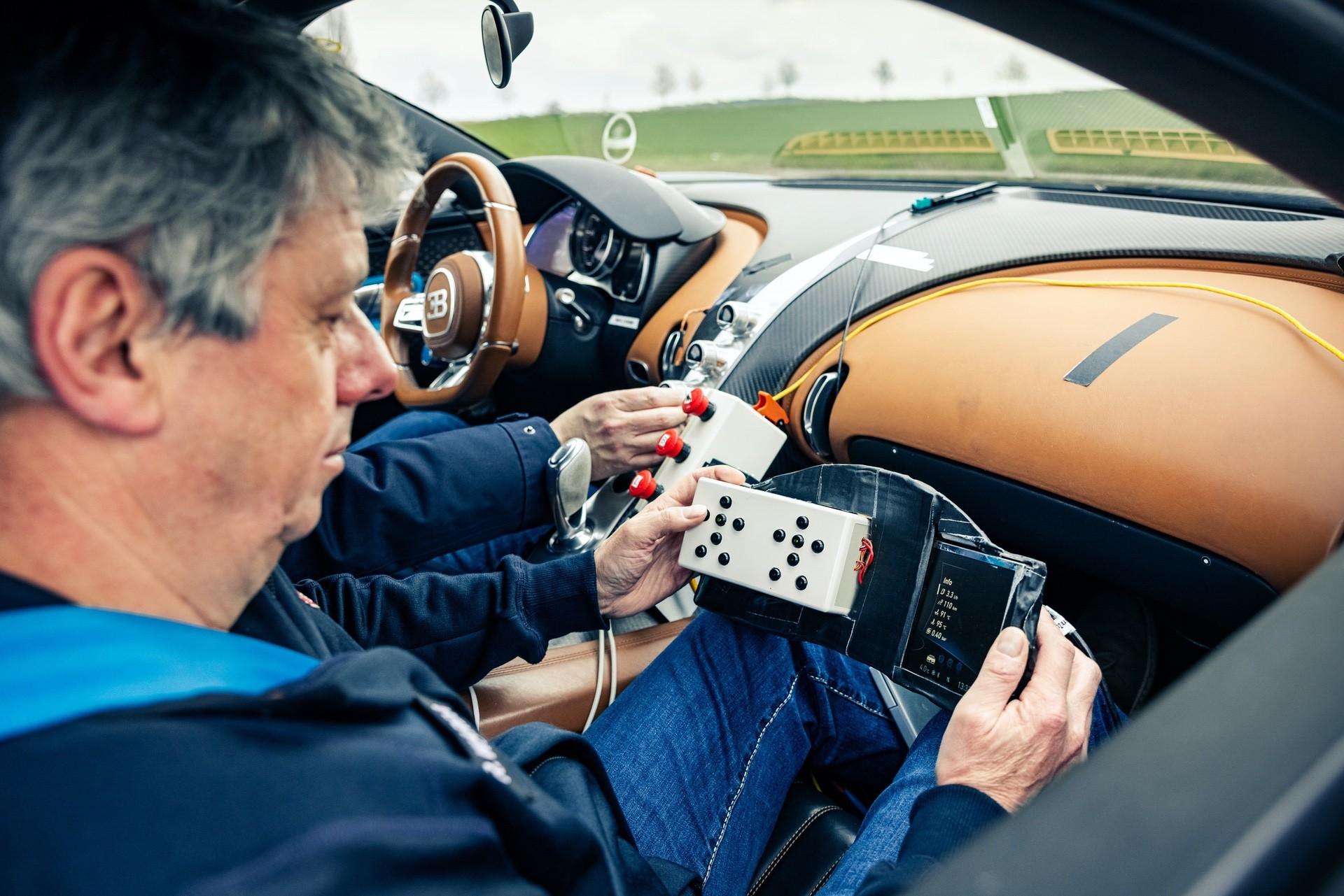 Bugatti_Chiron_Prototype_4-005-0006
