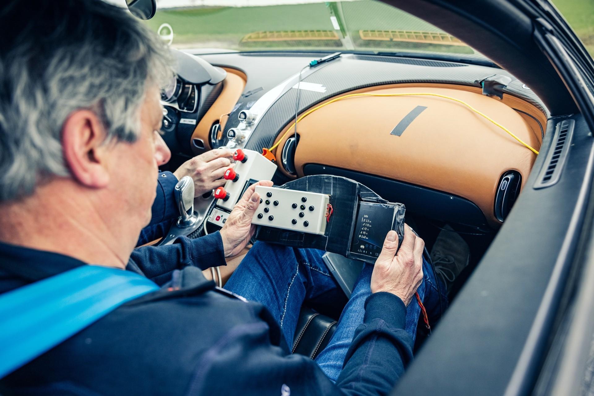 Bugatti_Chiron_Prototype_4-005-0007