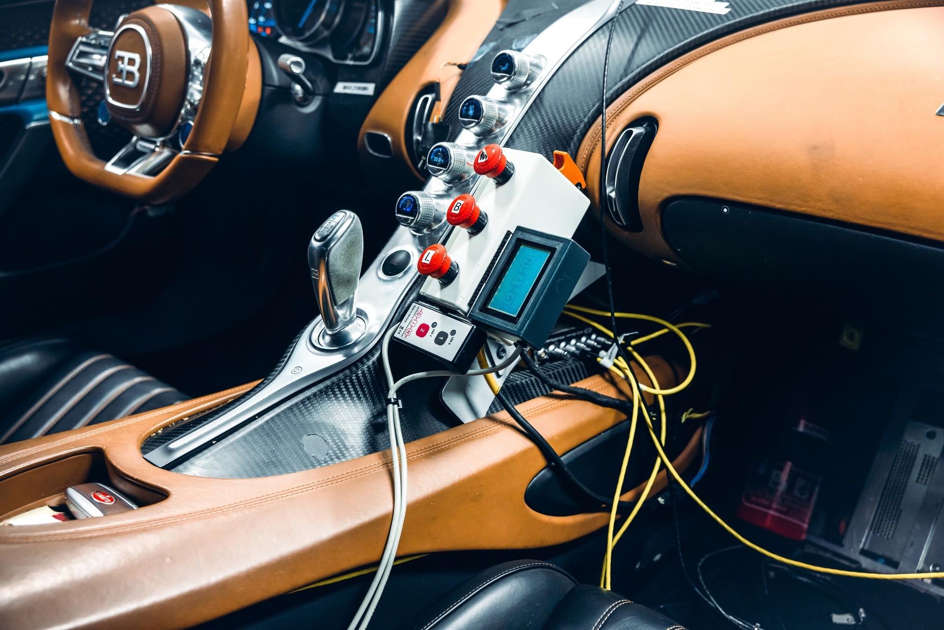 Bugatti_Chiron_Prototype_4-005-0009