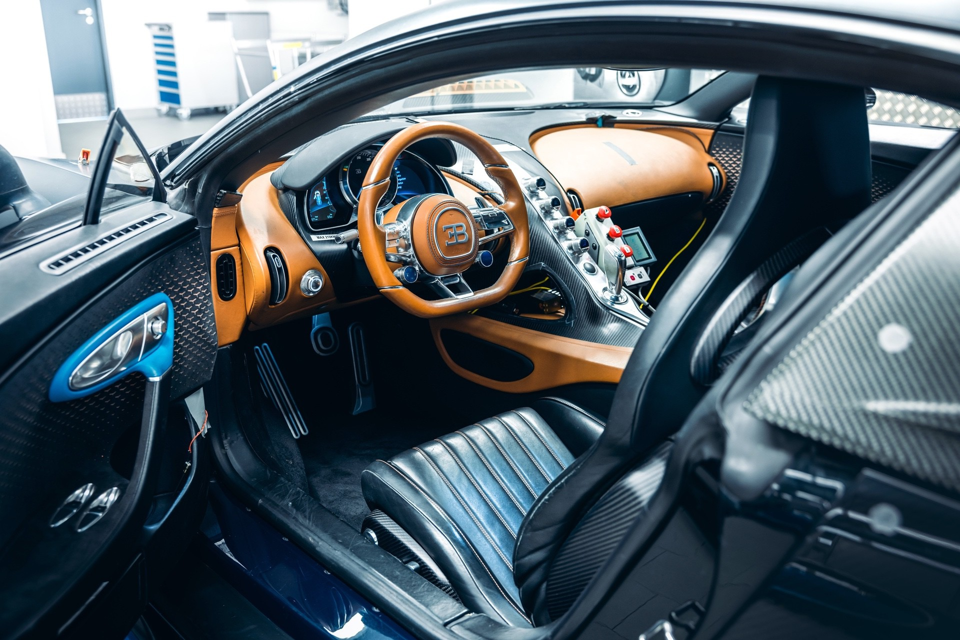 Bugatti_Chiron_Prototype_4-005-0010