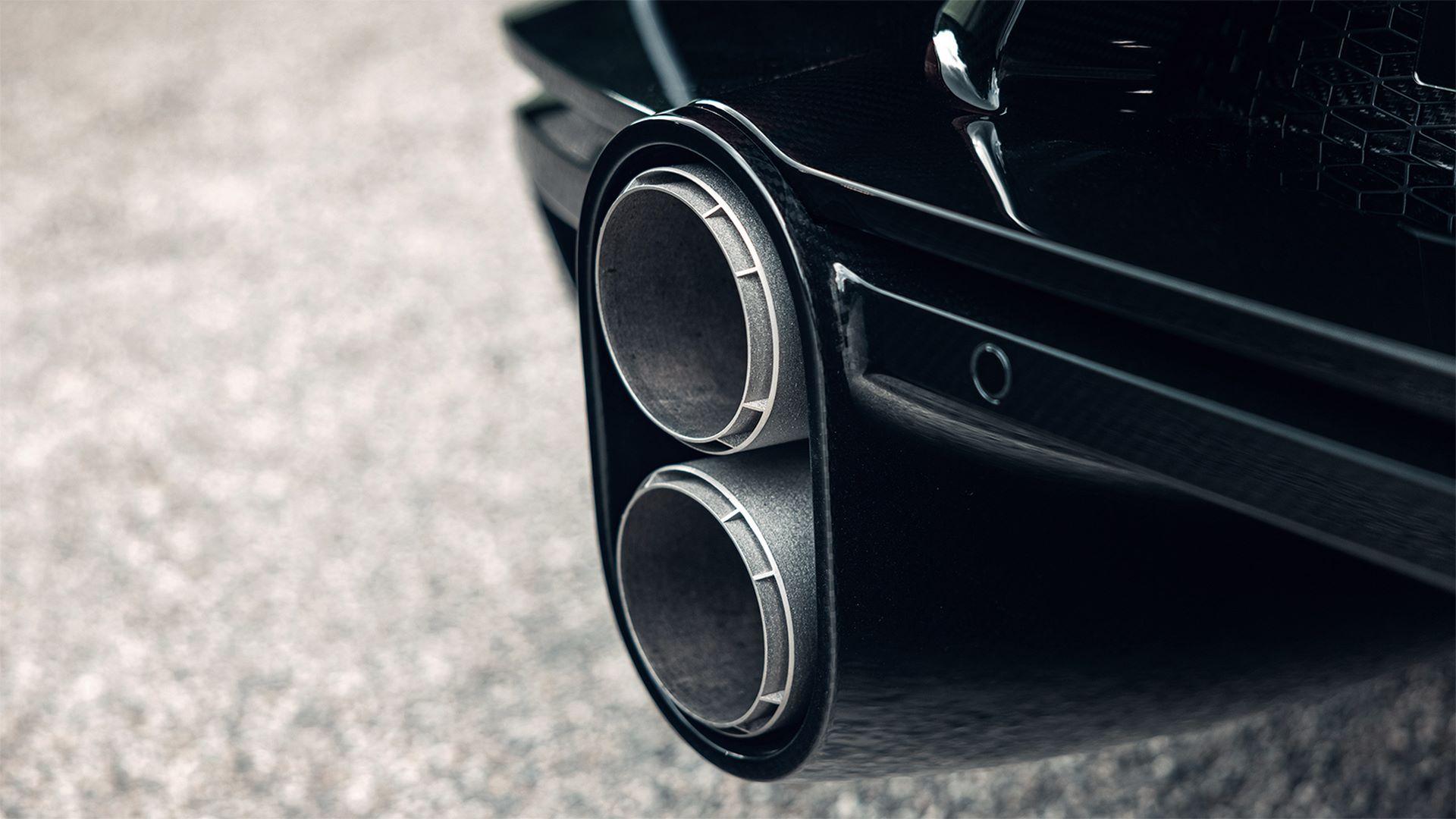 03-07_bugatti_chiron_super_sport_molsheim_front_rear_exhaust