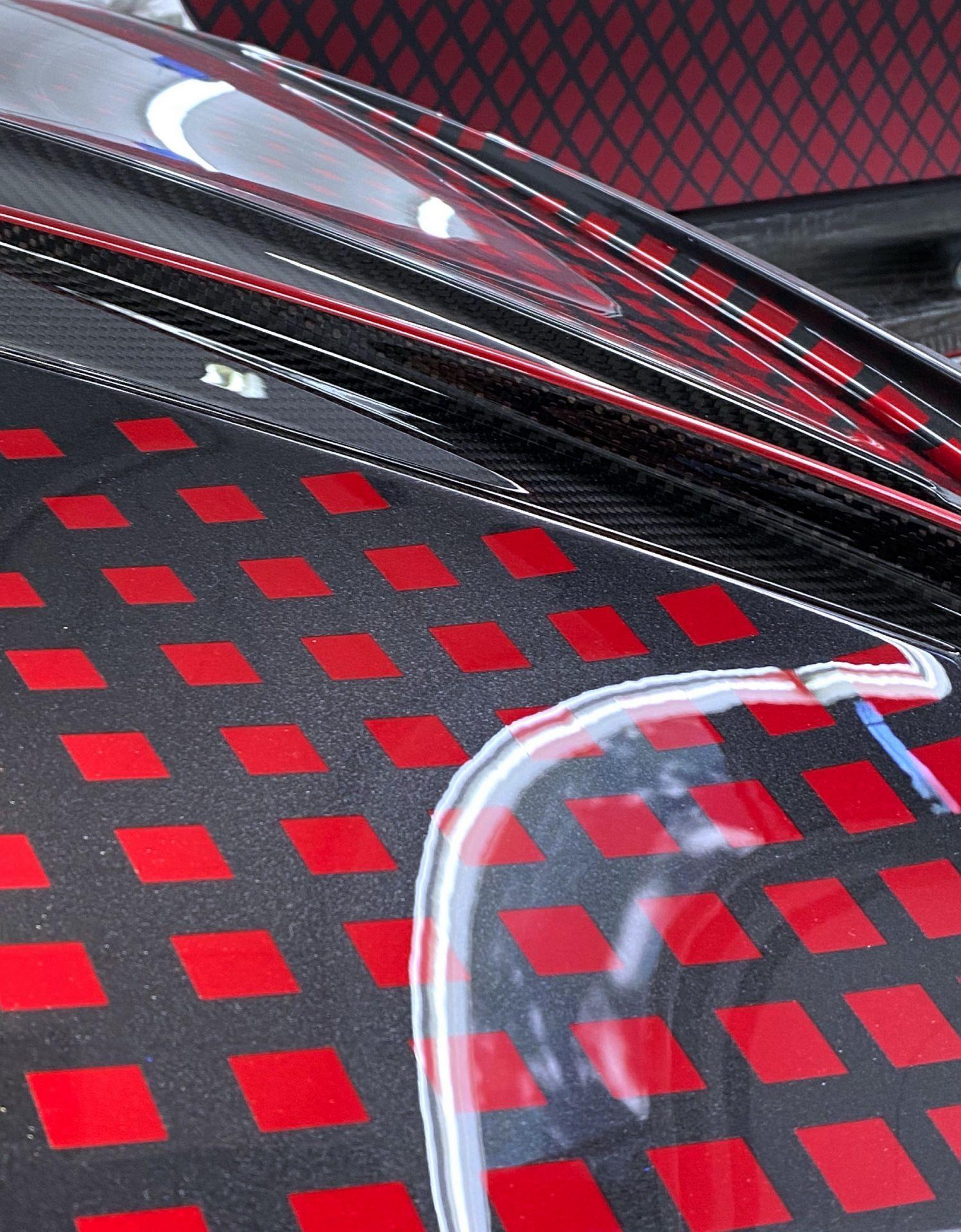Bugatti_Divo_Lady_Bug-0034