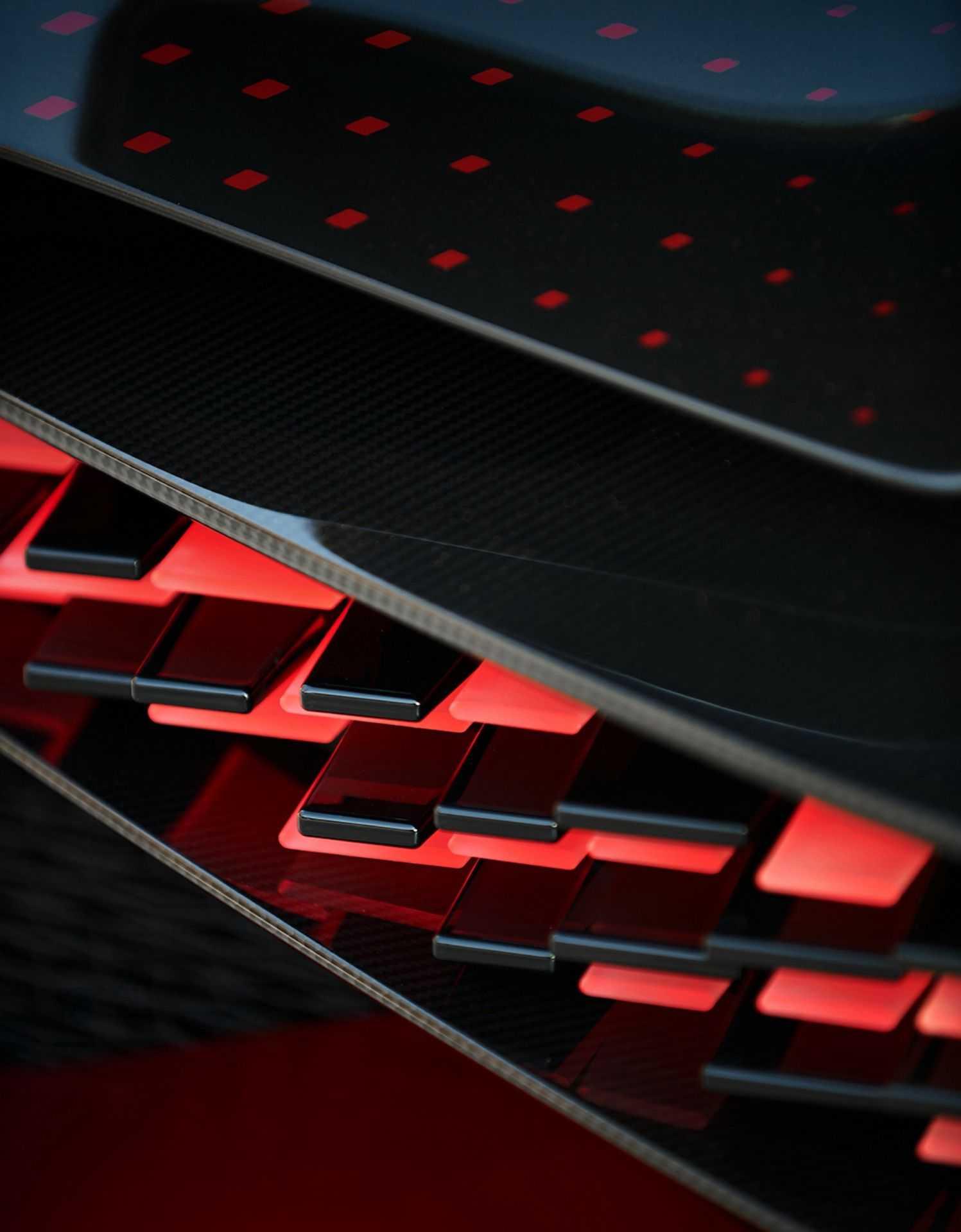 Bugatti_Divo_Lady_Bug-0053