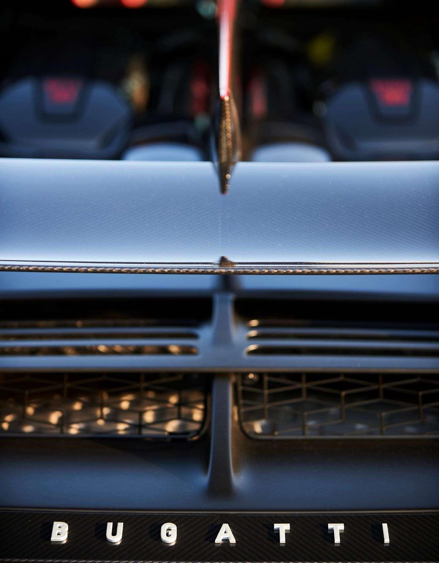 Bugatti_Divo_Lady_Bug-0057