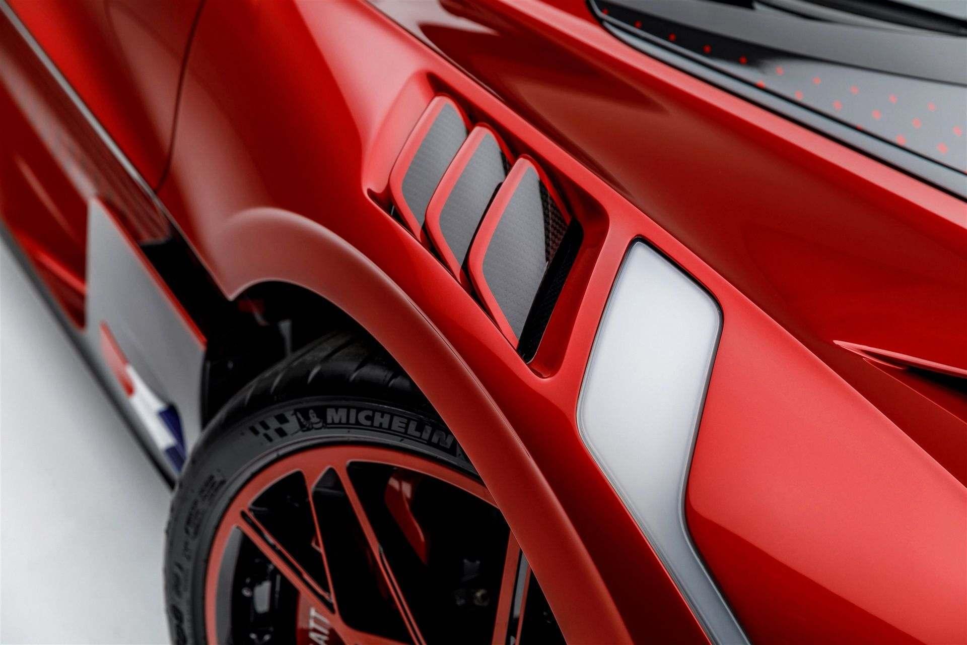 Bugatti_Divo_Lady_Bug-0070