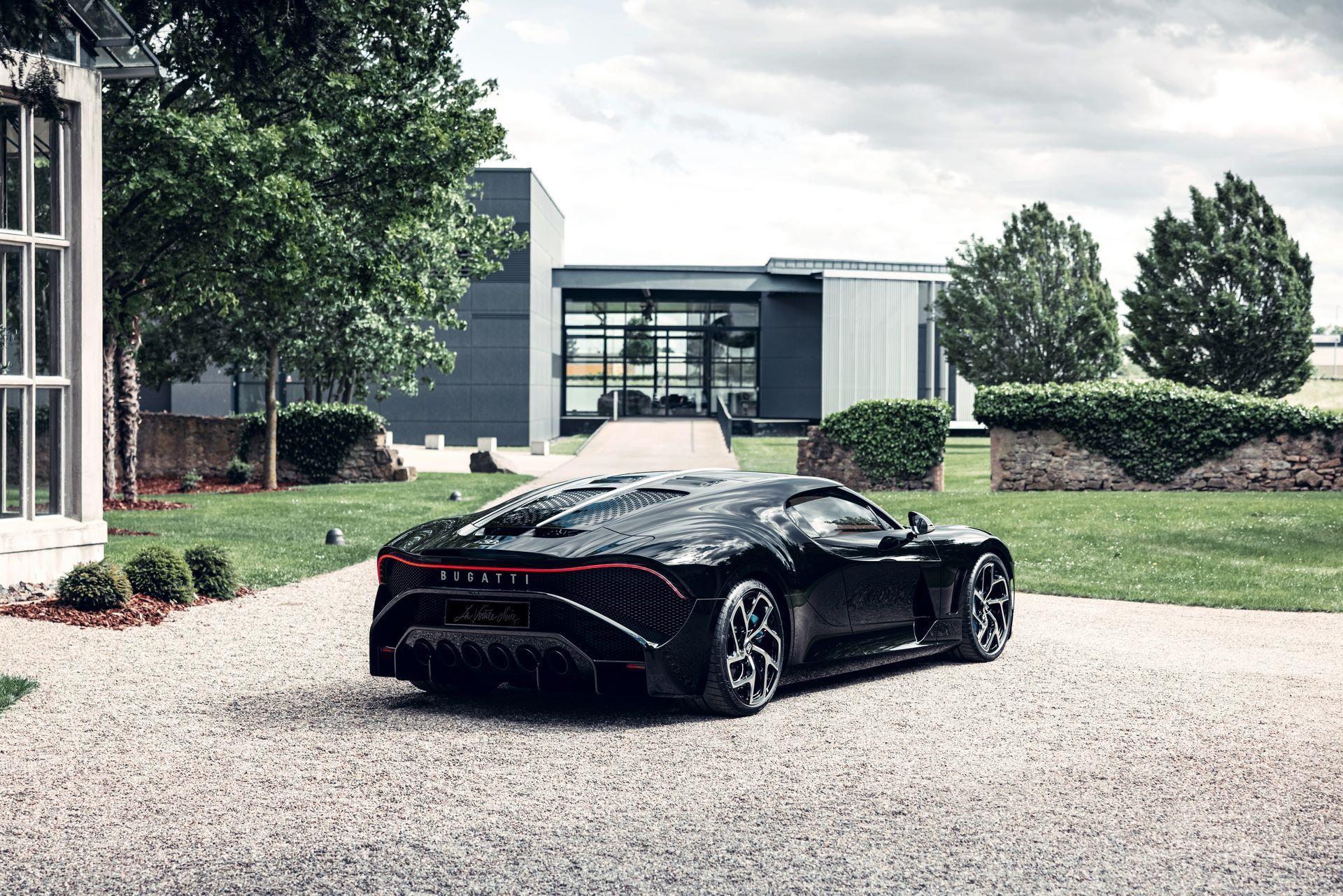 Bugatti-La-Voiture-Noire-12