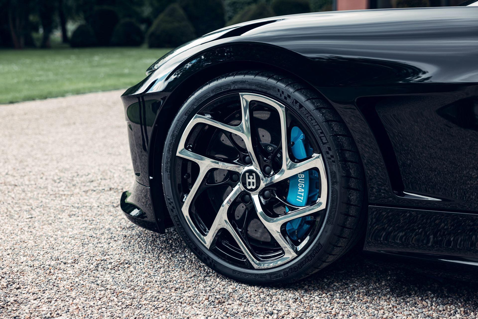 Bugatti-La-Voiture-Noire-15