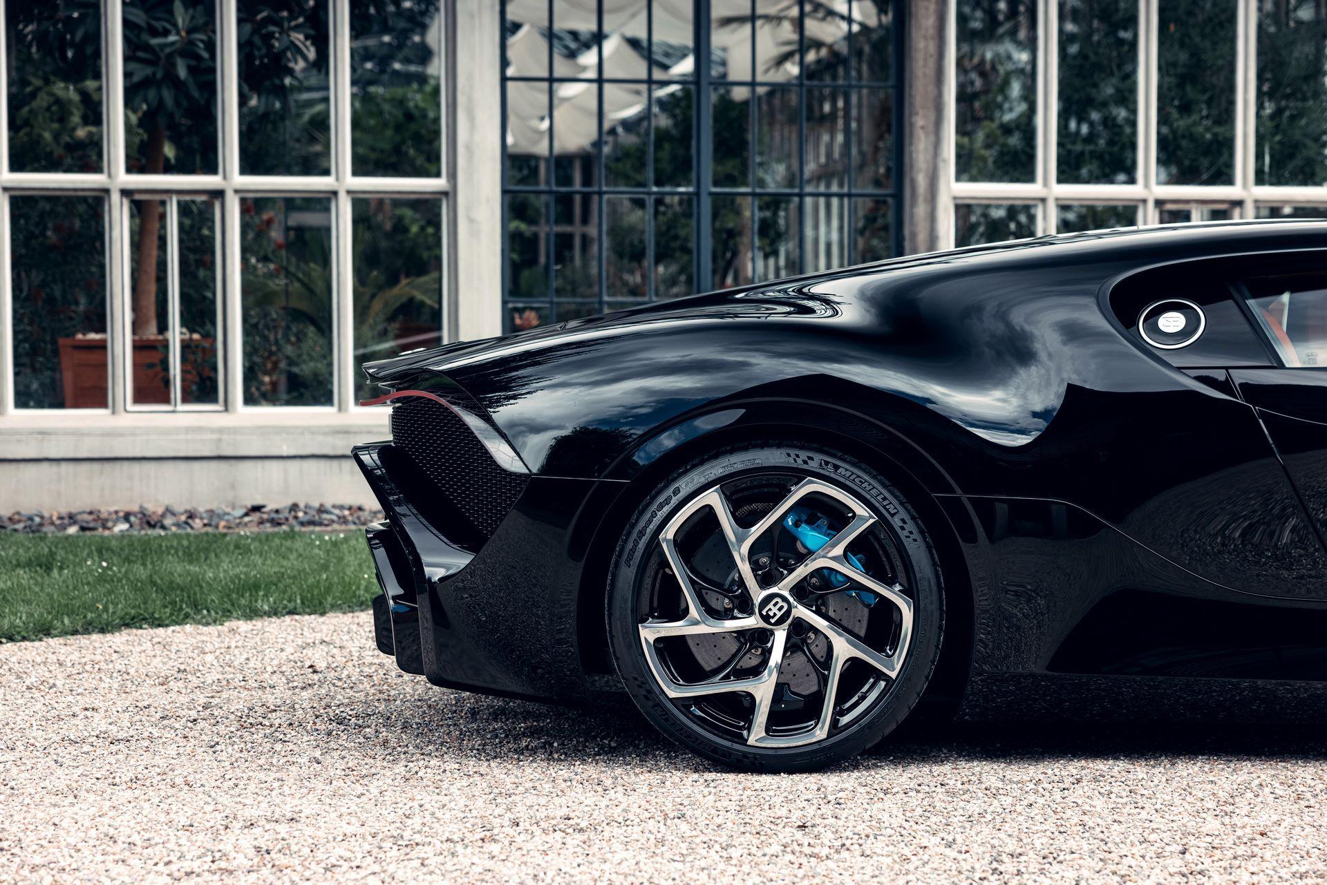 Bugatti-La-Voiture-Noire-16