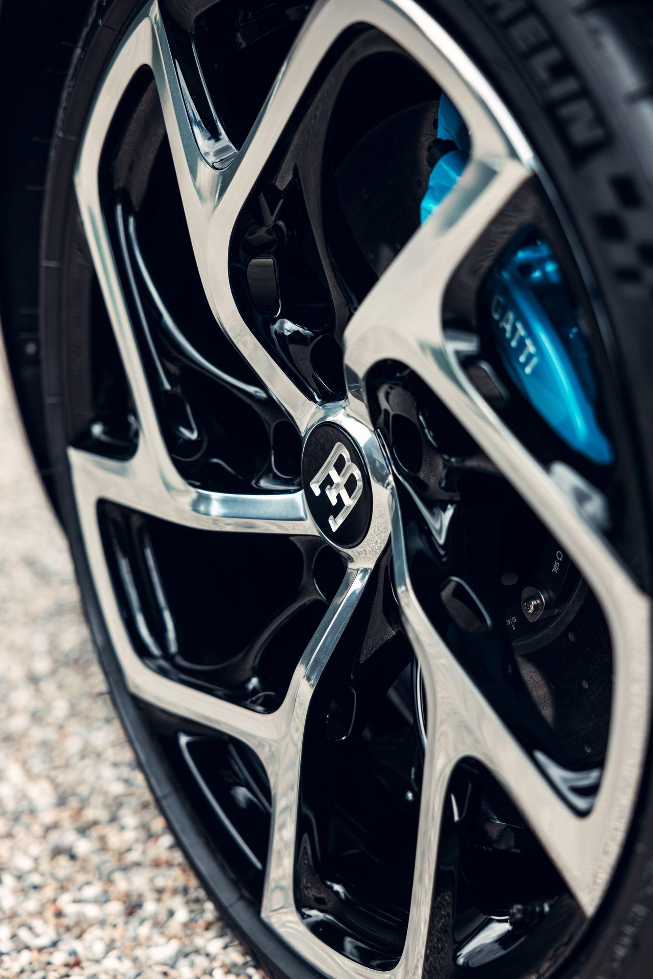 Bugatti-La-Voiture-Noire-17