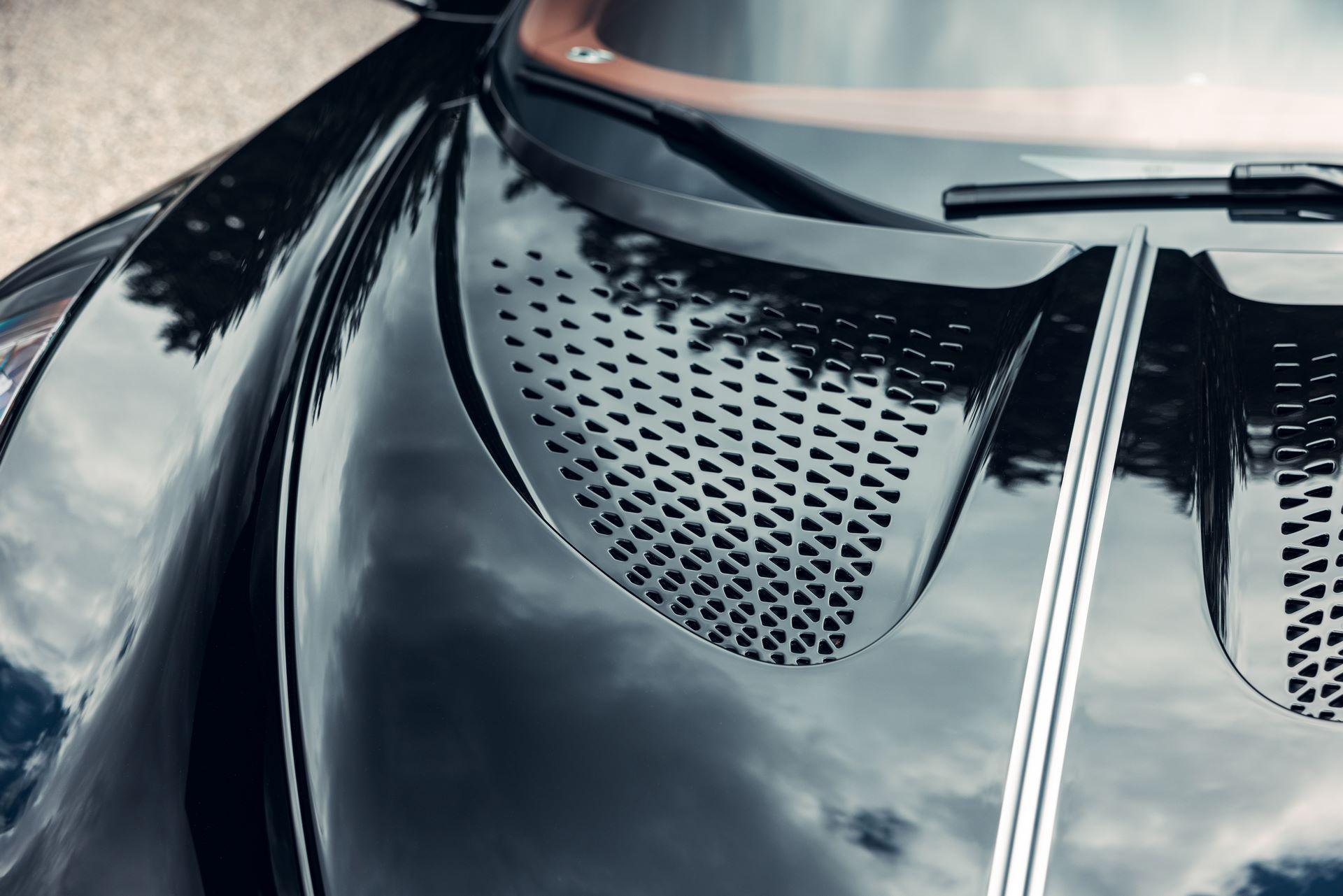 Bugatti-La-Voiture-Noire-18