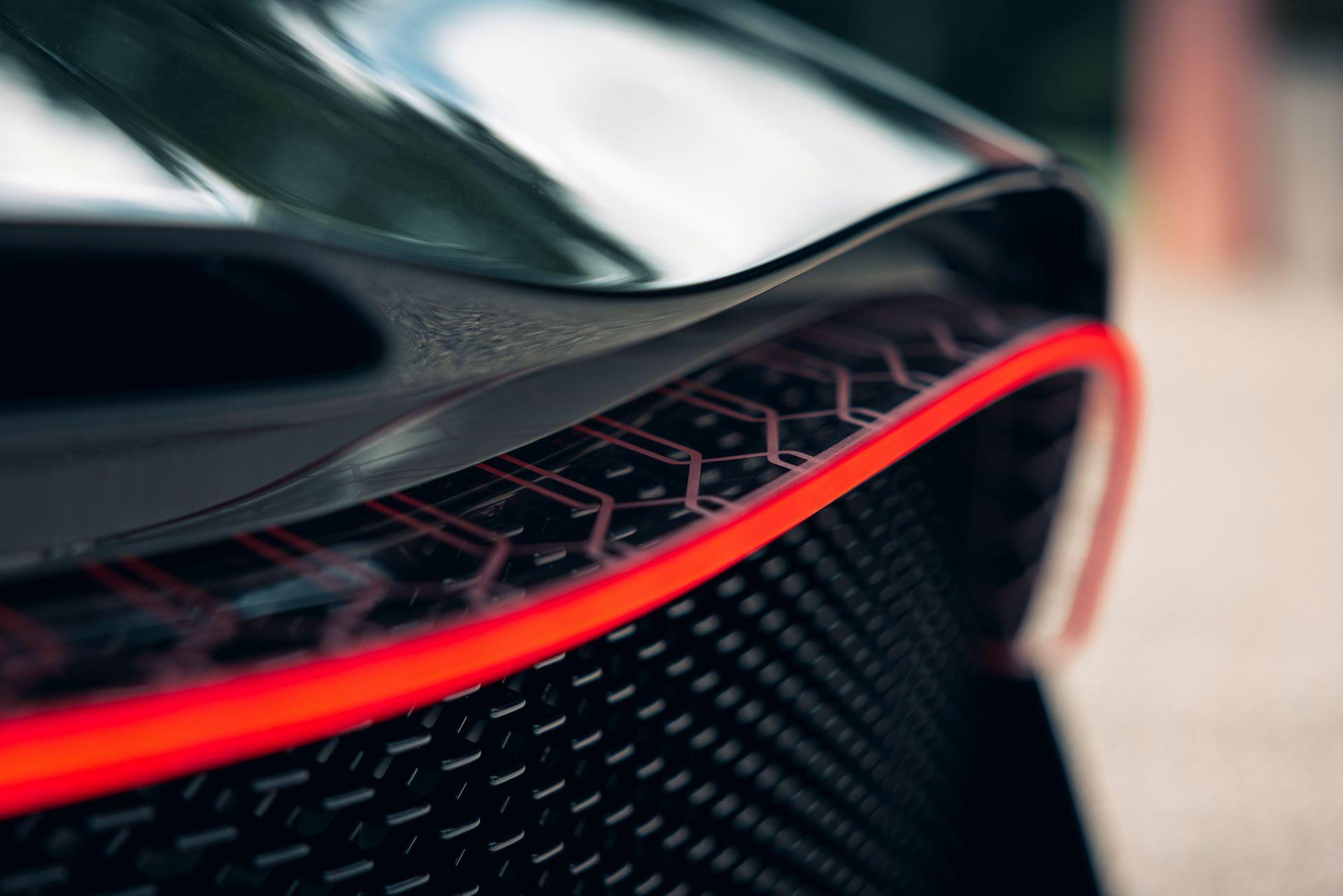 Bugatti-La-Voiture-Noire-19
