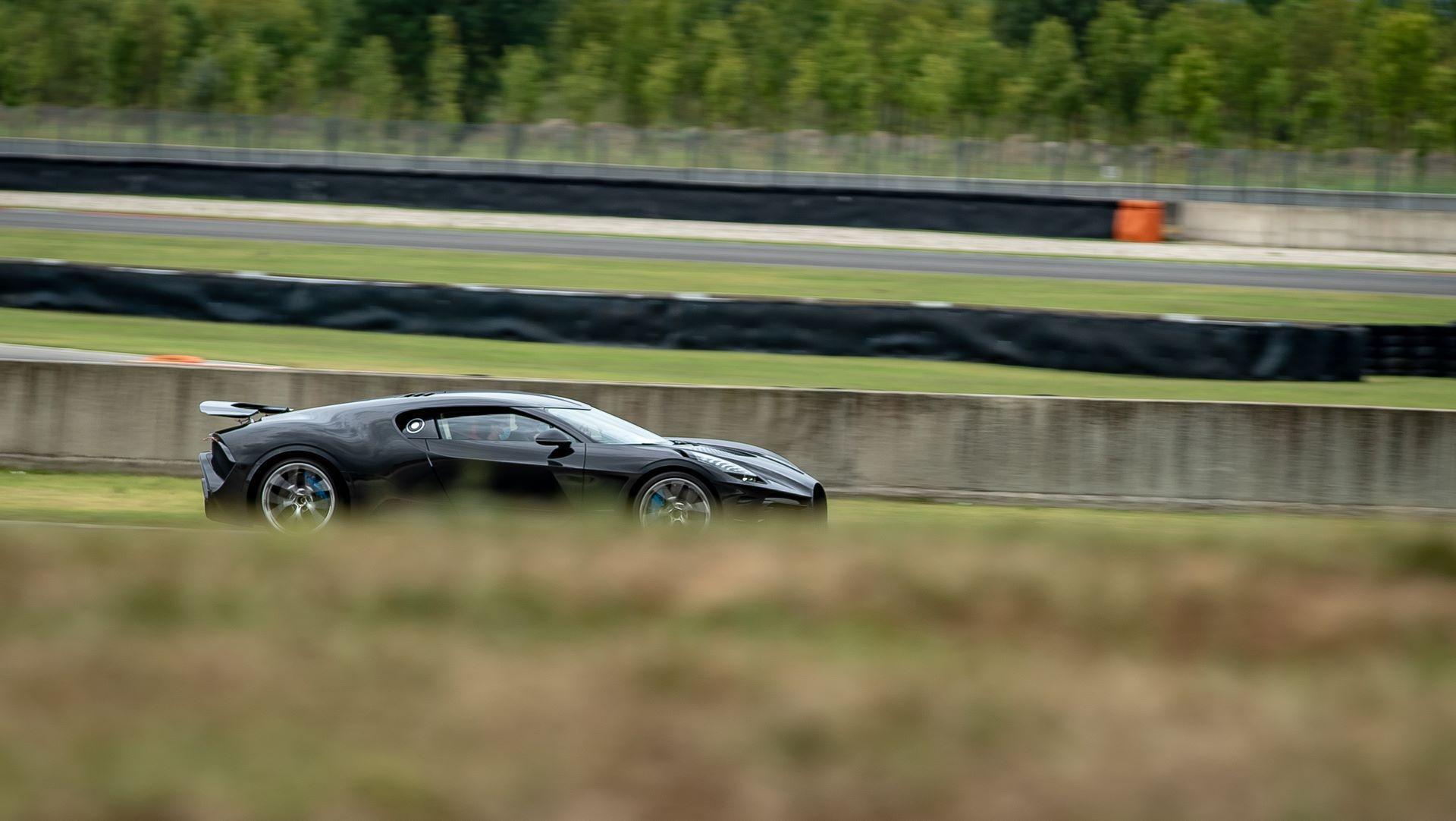 Bugatti-La-Voiture-Noire-28