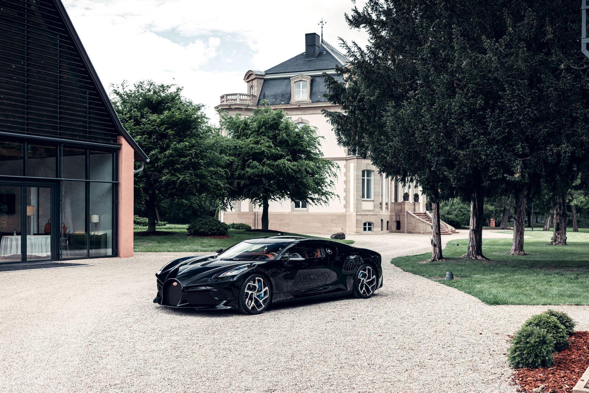 Bugatti-La-Voiture-Noire-7