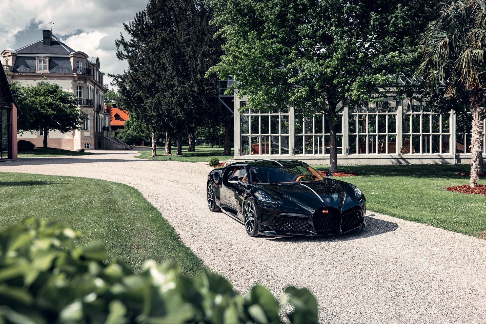 Bugatti-La-Voiture-Noire-8