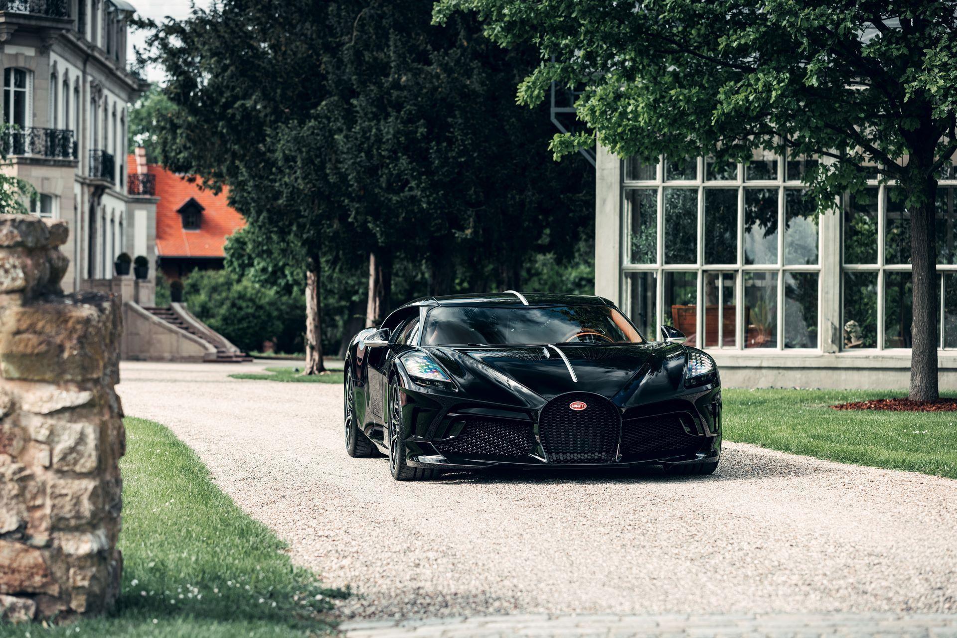 Bugatti-La-Voiture-Noire-9