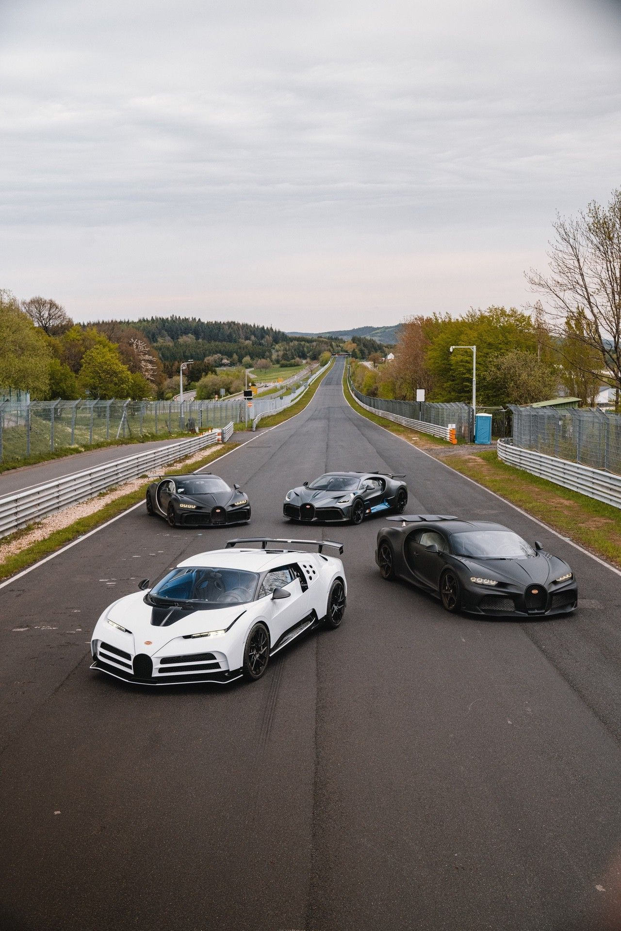 06_bugatti-lineup_nbr